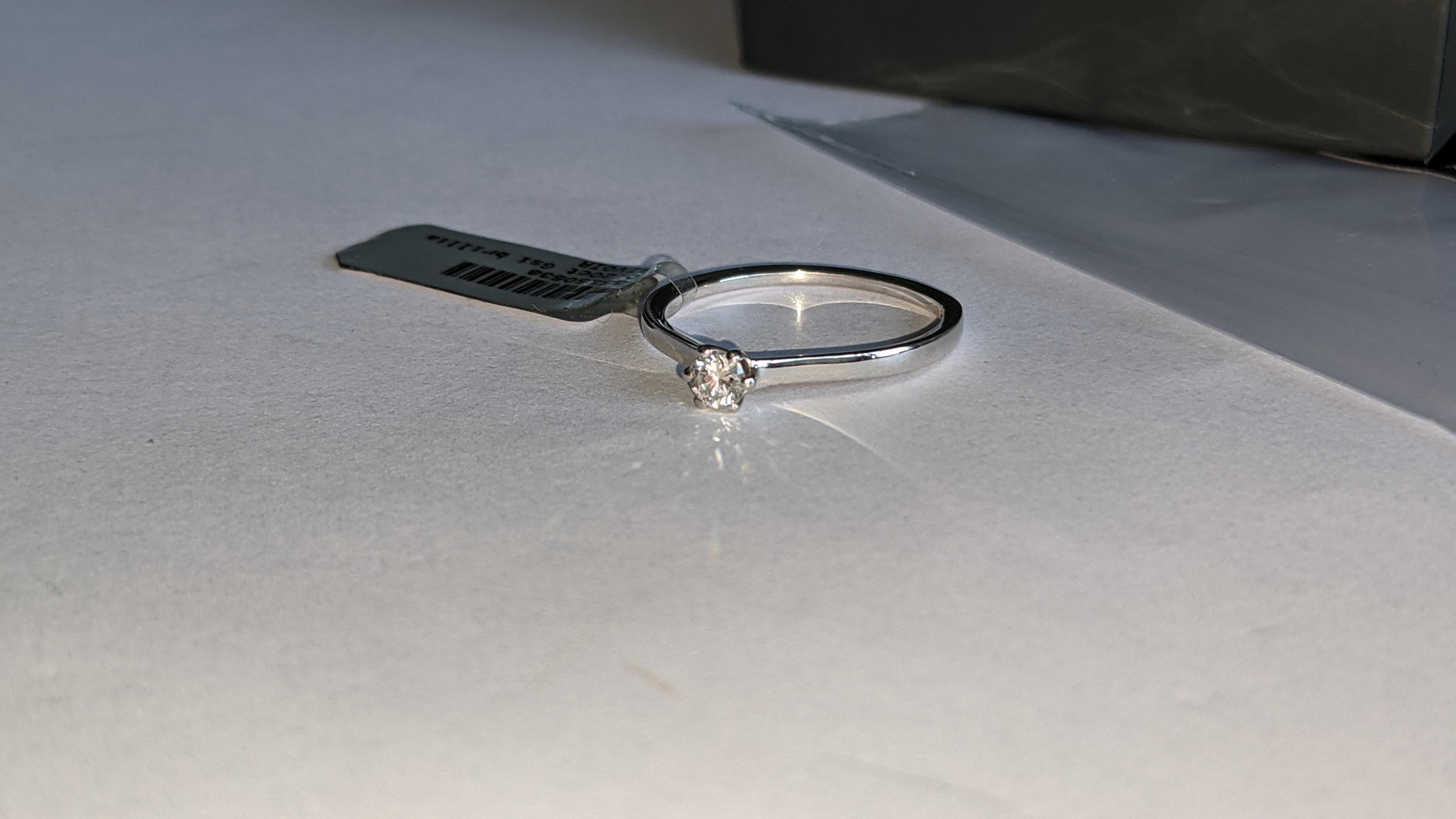 18ct white gold ring with 0.20ct G/Si brilliant cut diamond RRP £1,152 - Image 9 of 16