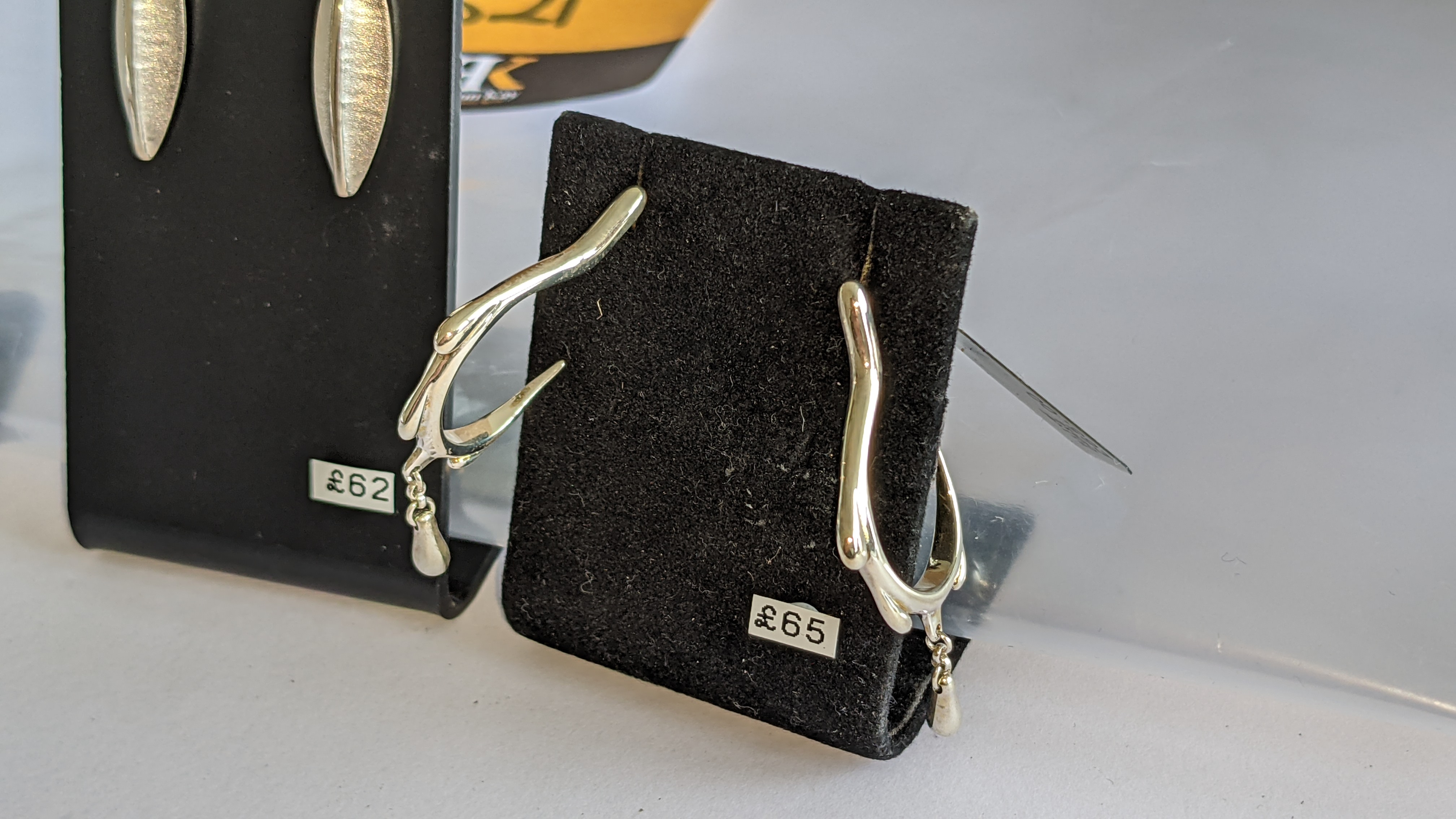 3 assorted pairs of earrings, each with a retail price of £62 - £70 per pair, total RRP £197 - Image 5 of 9