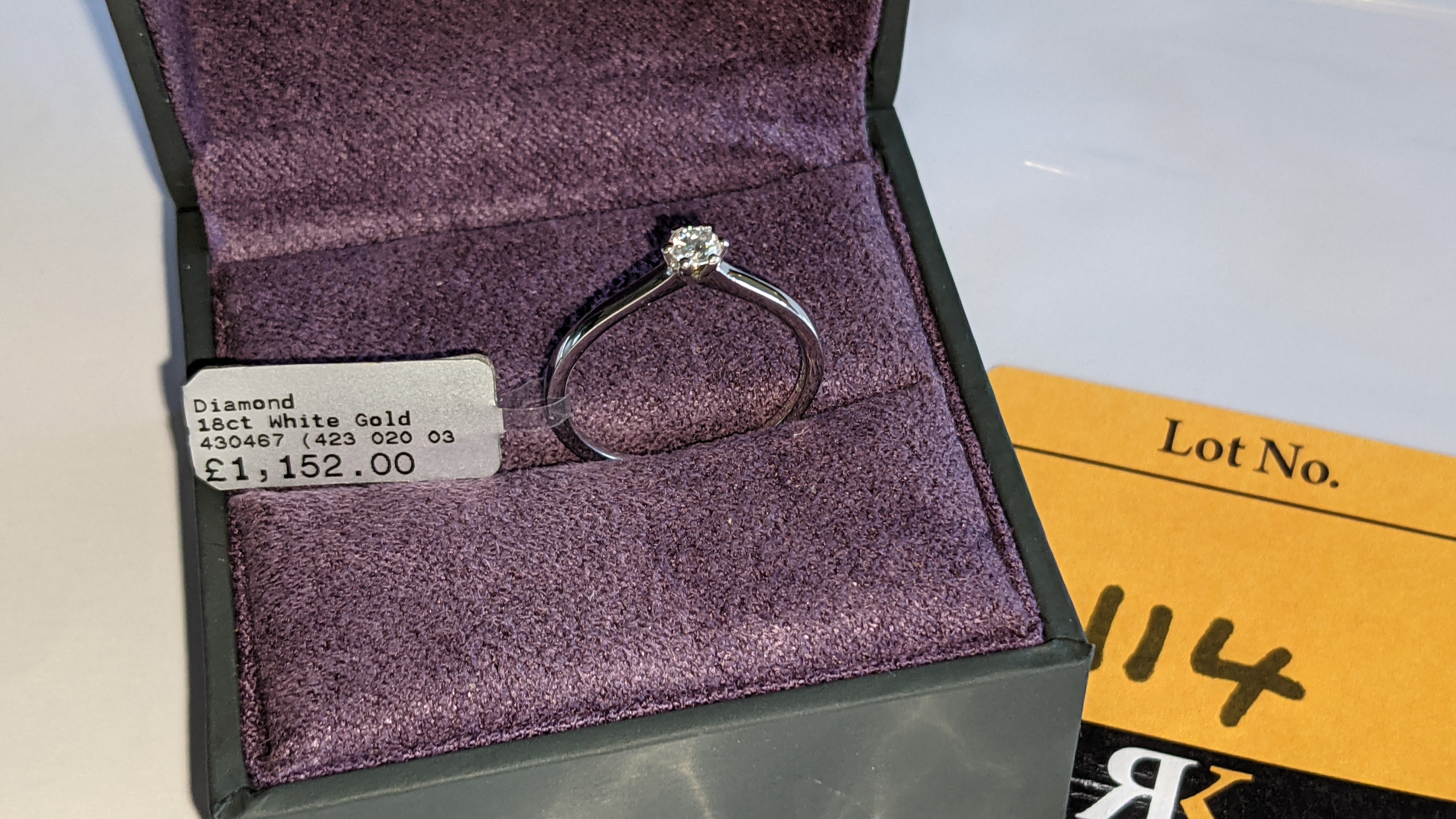 18ct white gold ring with 0.20ct G/Si brilliant cut diamond RRP £1,152 - Image 2 of 16