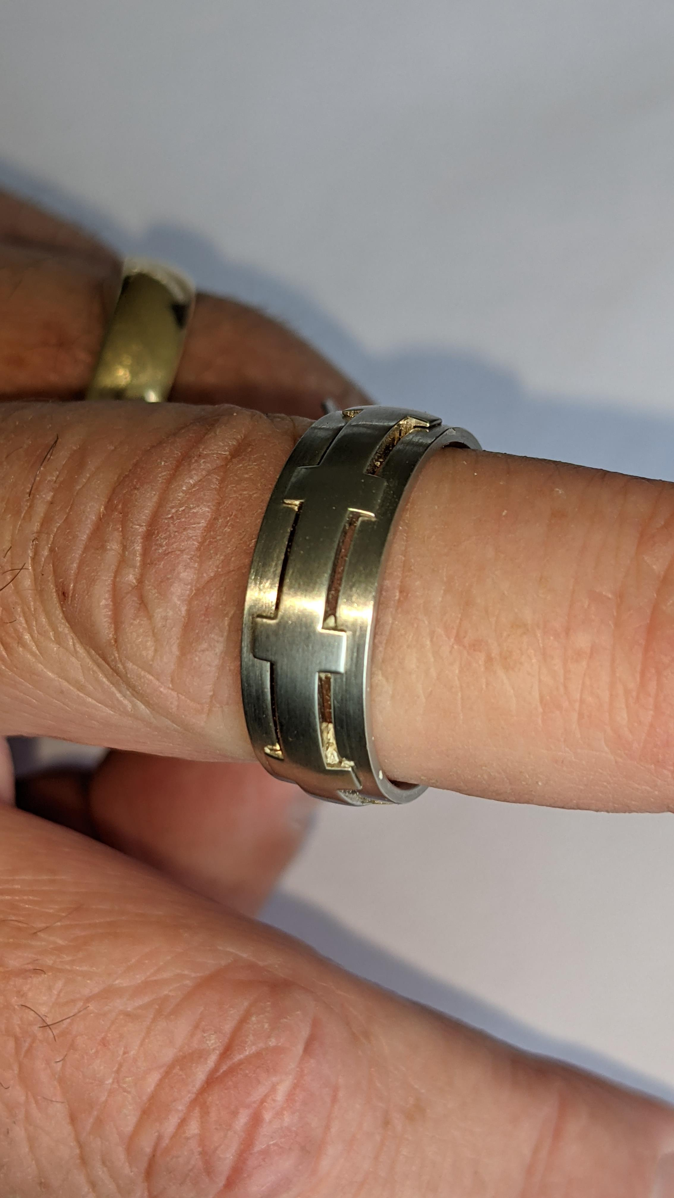 Platinum 950 ring in matt & polished finish, 7.5mm wide. RRP £2,960 - Image 15 of 15