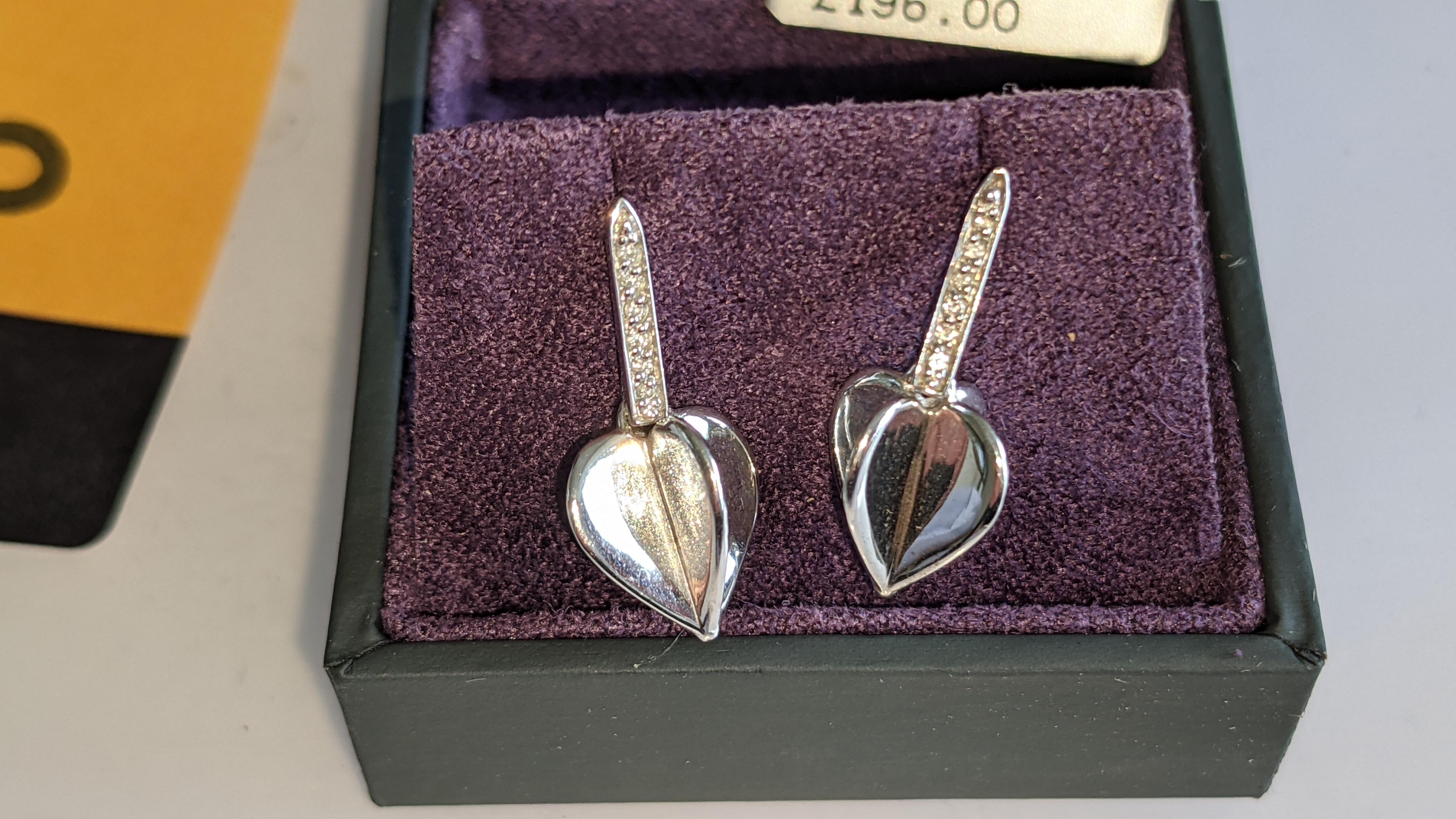 Pair of earrings, retail price £196 - Image 4 of 11