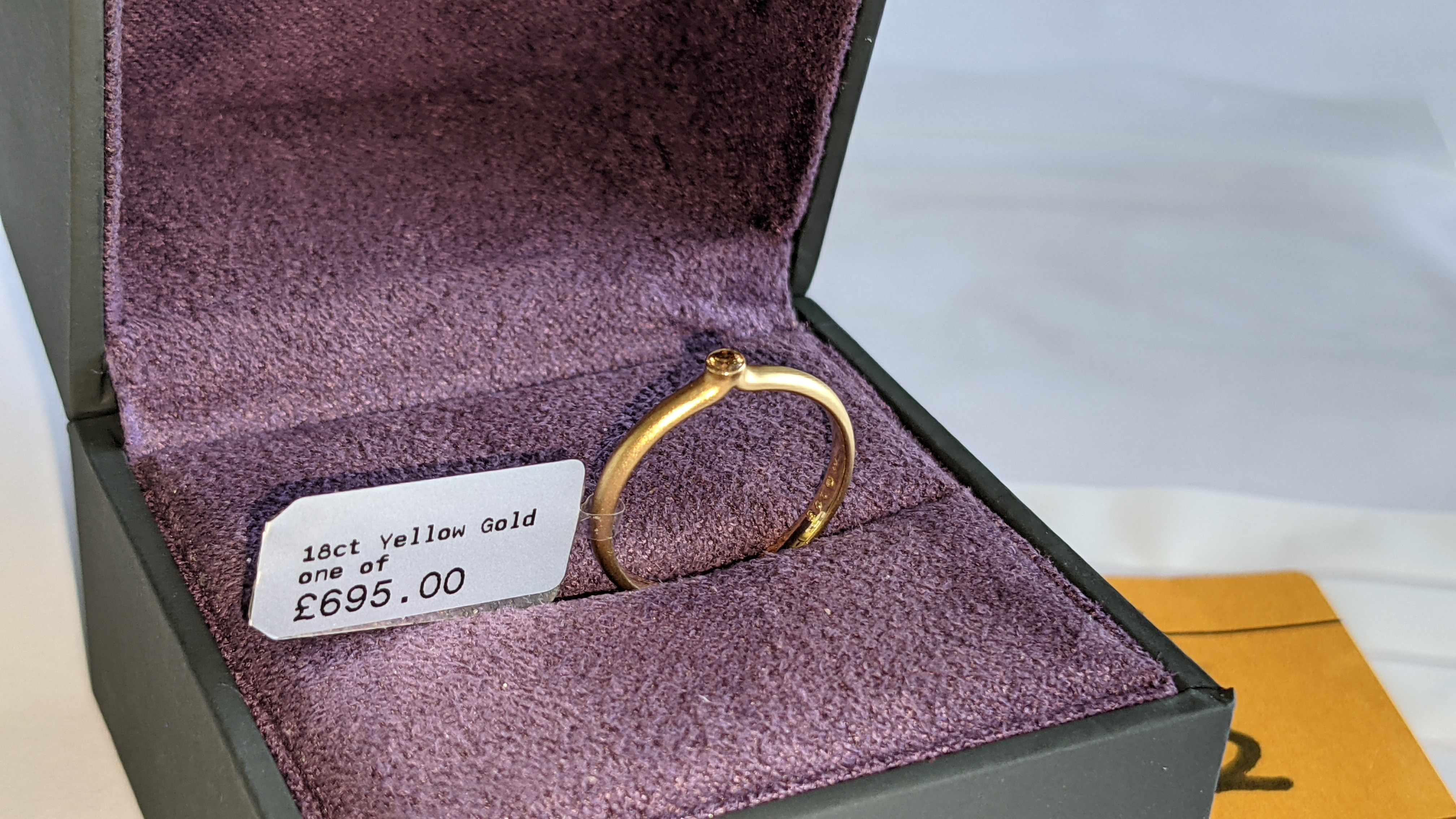 18ct yellow gold & champagne diamond ring RRP £695 - Image 2 of 14