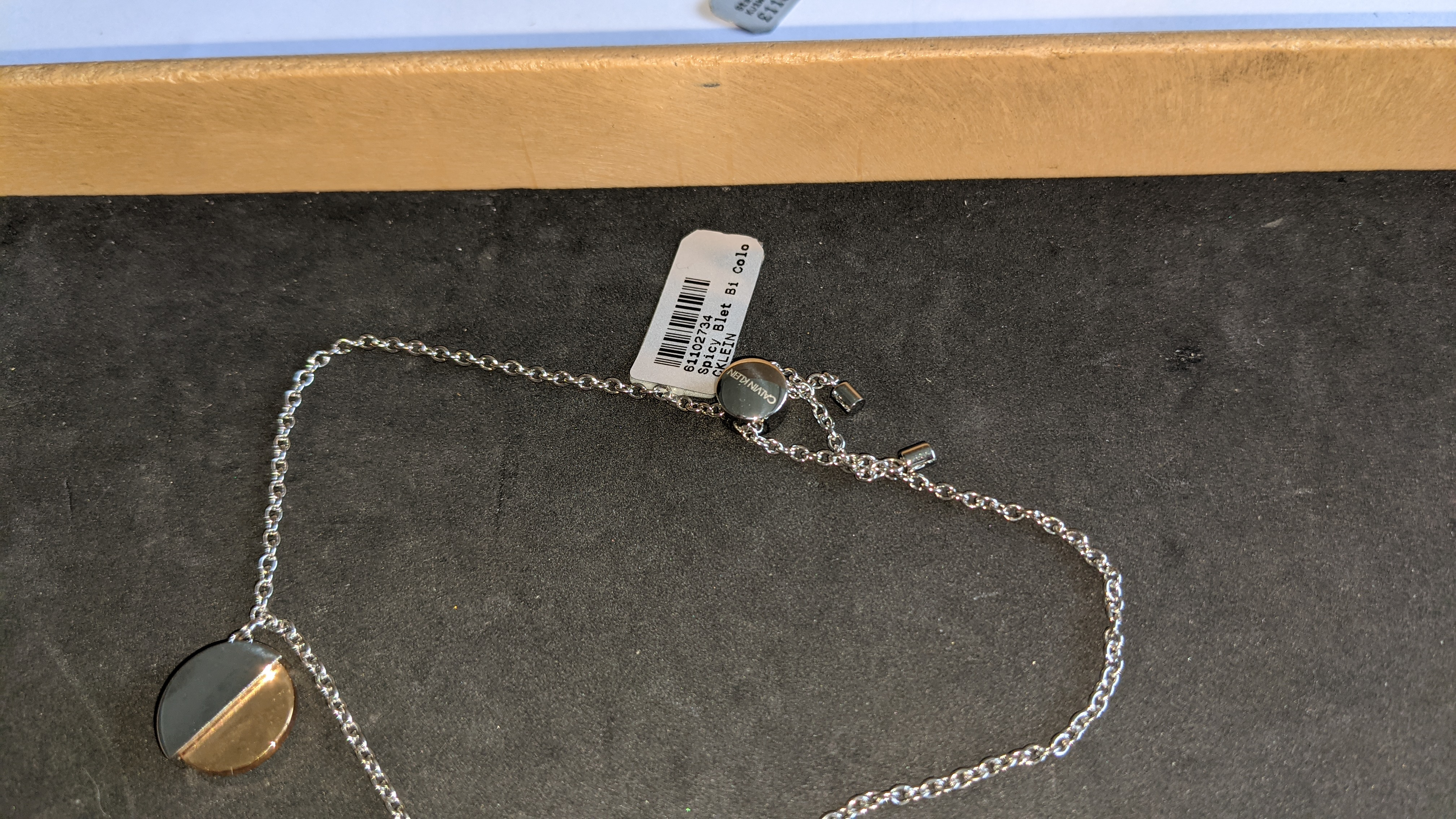 3 pieces of Calvin Klein jewellery comprising 2 off long necklaces each with an RRP of £115 plus two - Image 9 of 13