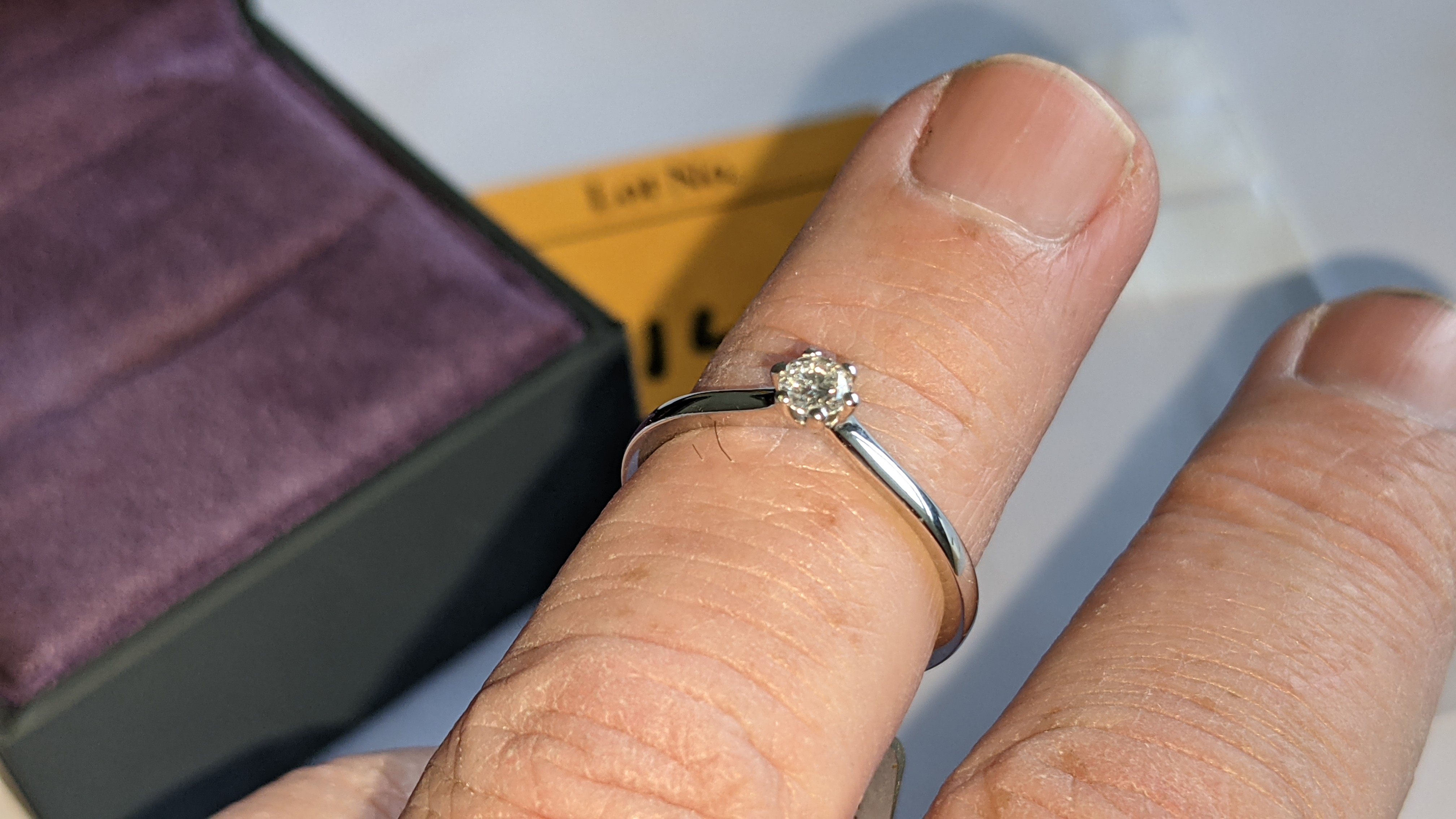 18ct white gold ring with 0.20ct G/Si brilliant cut diamond RRP £1,152 - Image 14 of 16