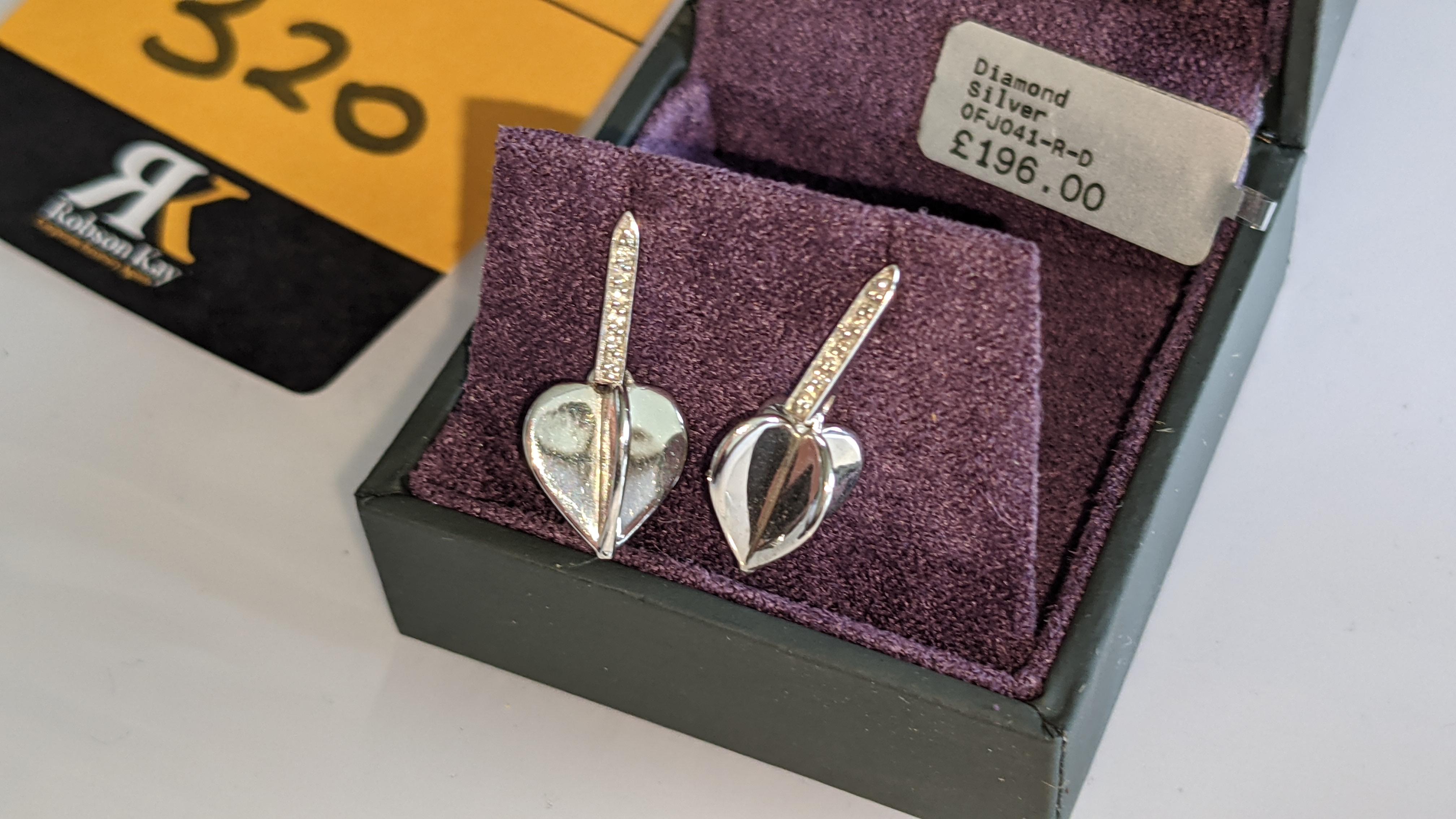 Pair of earrings, retail price £196 - Image 5 of 11