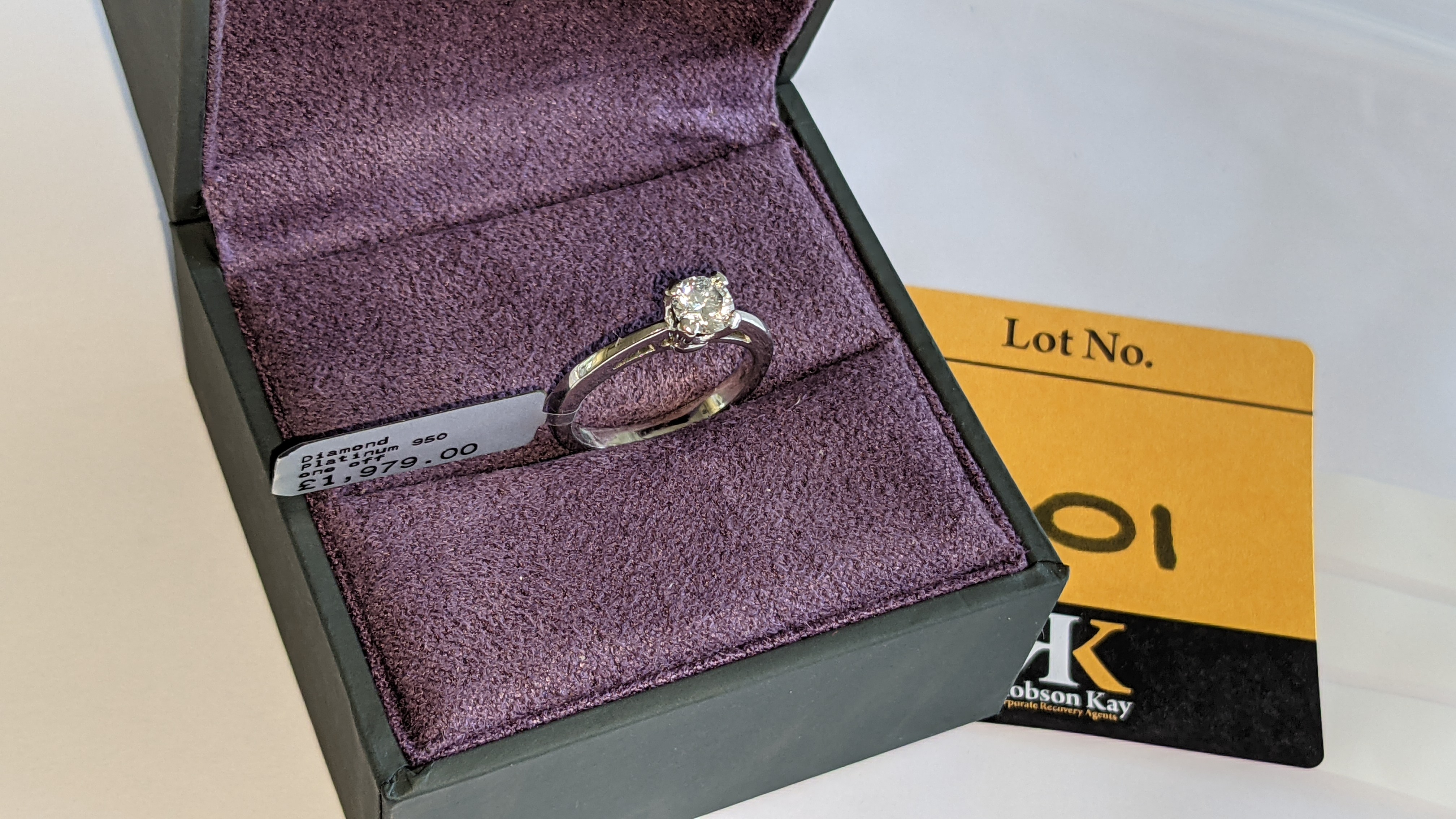 Platinum 950 ring with 0.50ct diamond. Includes diamond report/certification indicating the central - Image 6 of 25