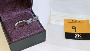 18ct white gold & diamond ring with 0.32ct of diamonds (8 diamonds in 2 pairs). RRP £1,854