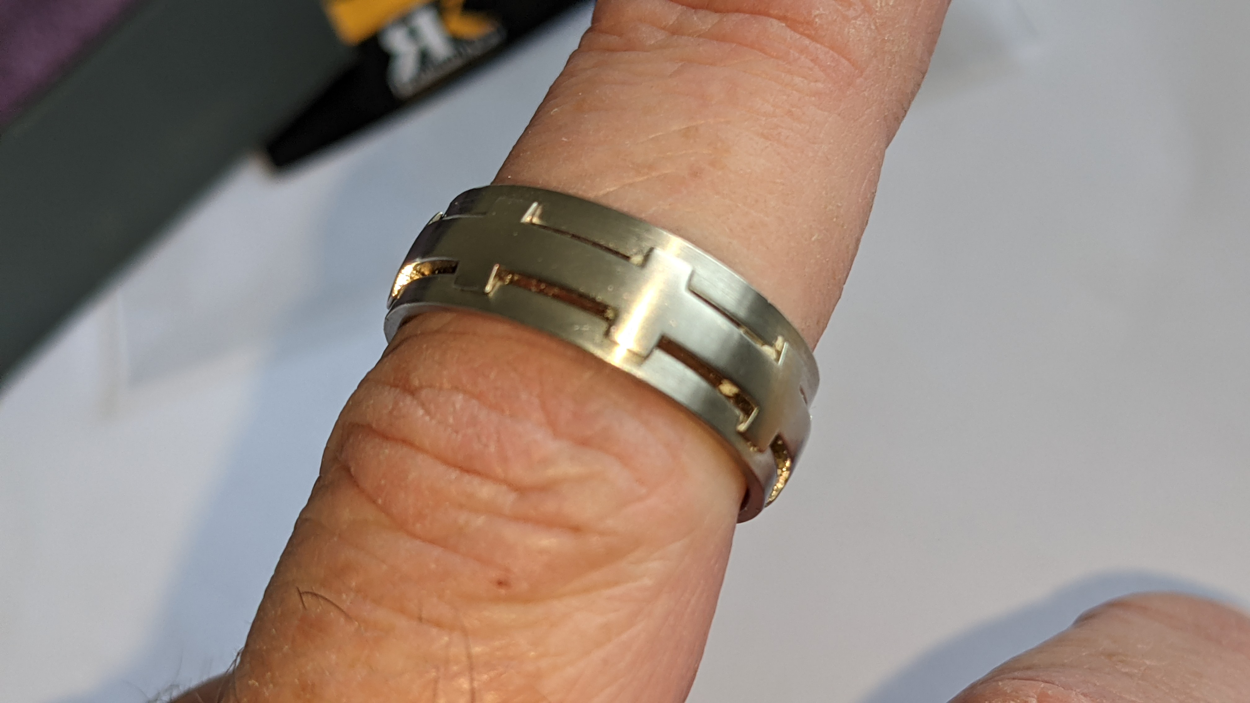 Platinum 950 ring in matt & polished finish, 7.5mm wide. RRP £2,960 - Image 14 of 15