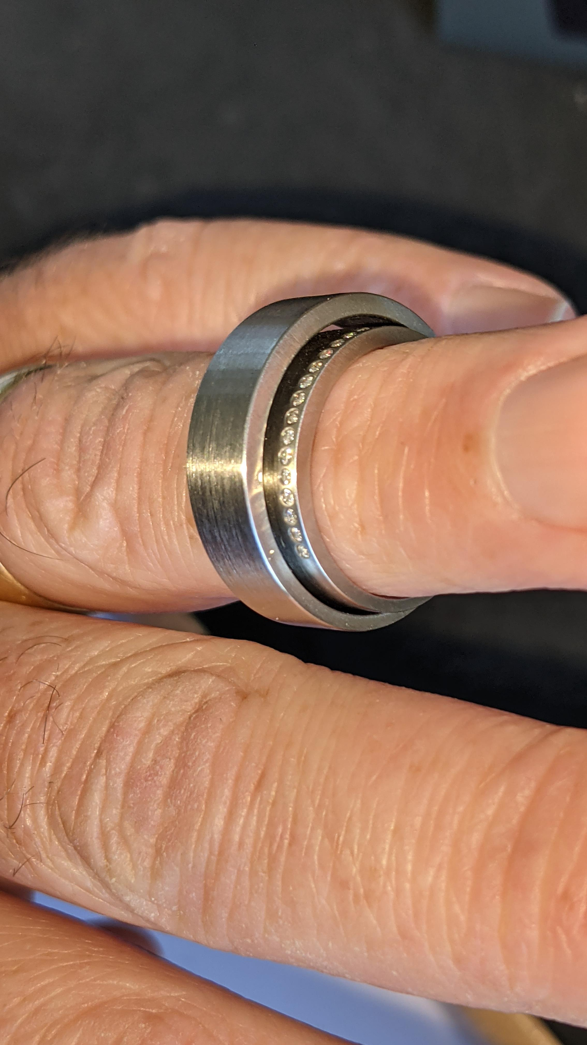 Stainless steel & diamond unusually shaped ring with inner & outer circles joined on one side, RRP £ - Image 10 of 11