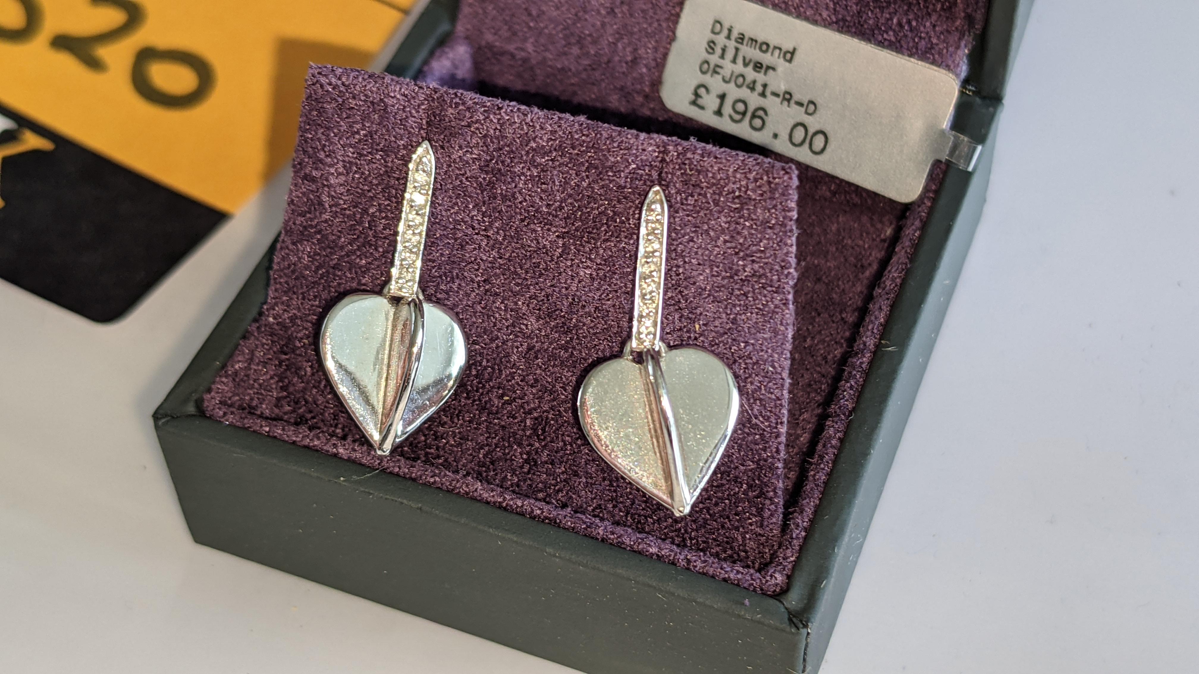 Pair of earrings, retail price £196 - Image 6 of 11