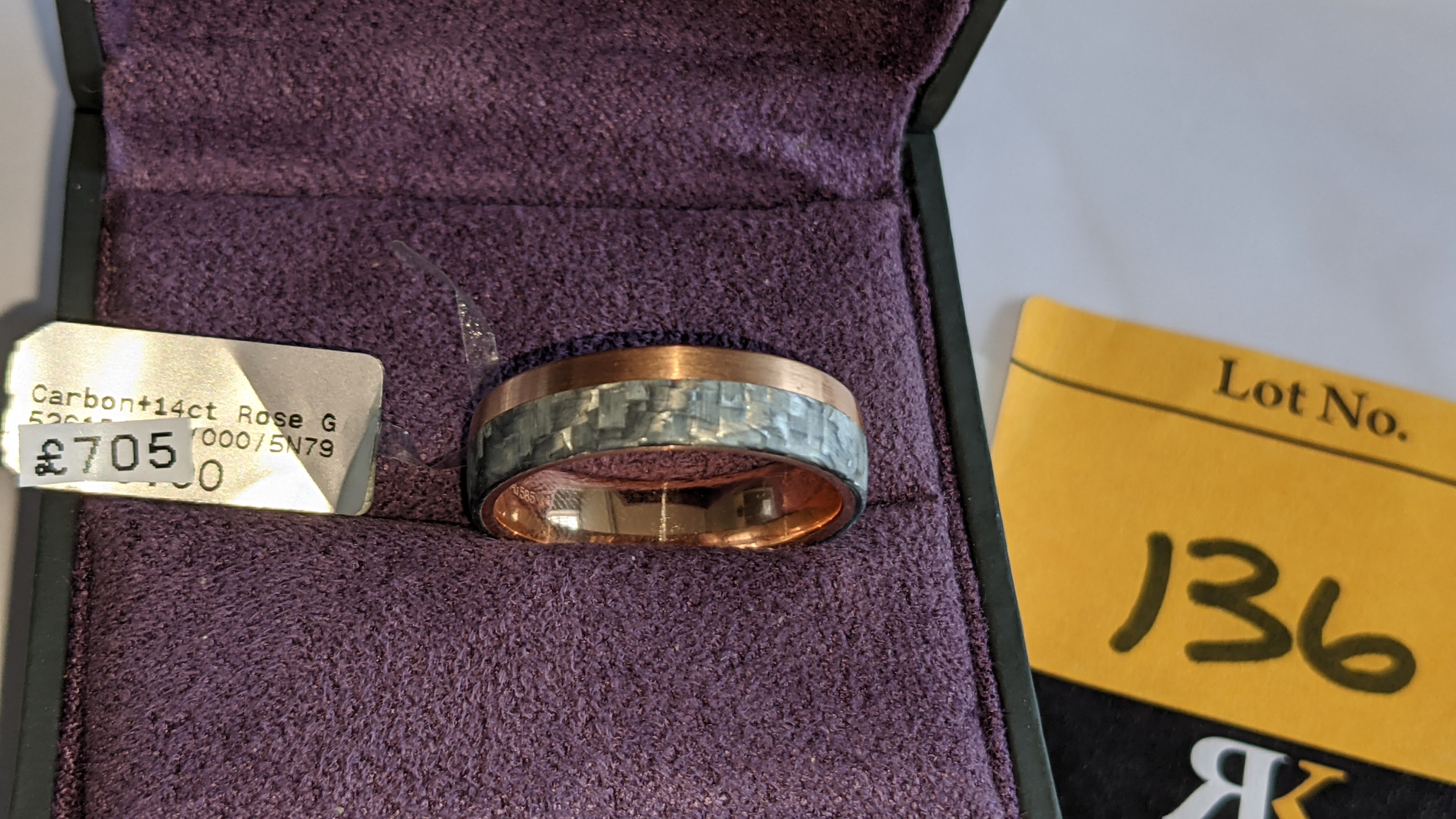 Carbon & 14ct rose gold ring RRP £705 - Image 4 of 13