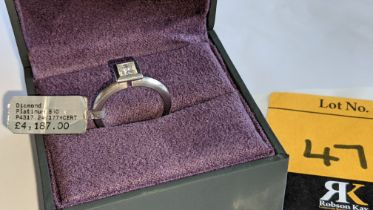 Platinum 950 & diamond ring with 0.54ct central stone. Includes GIA diamond certification indicatin