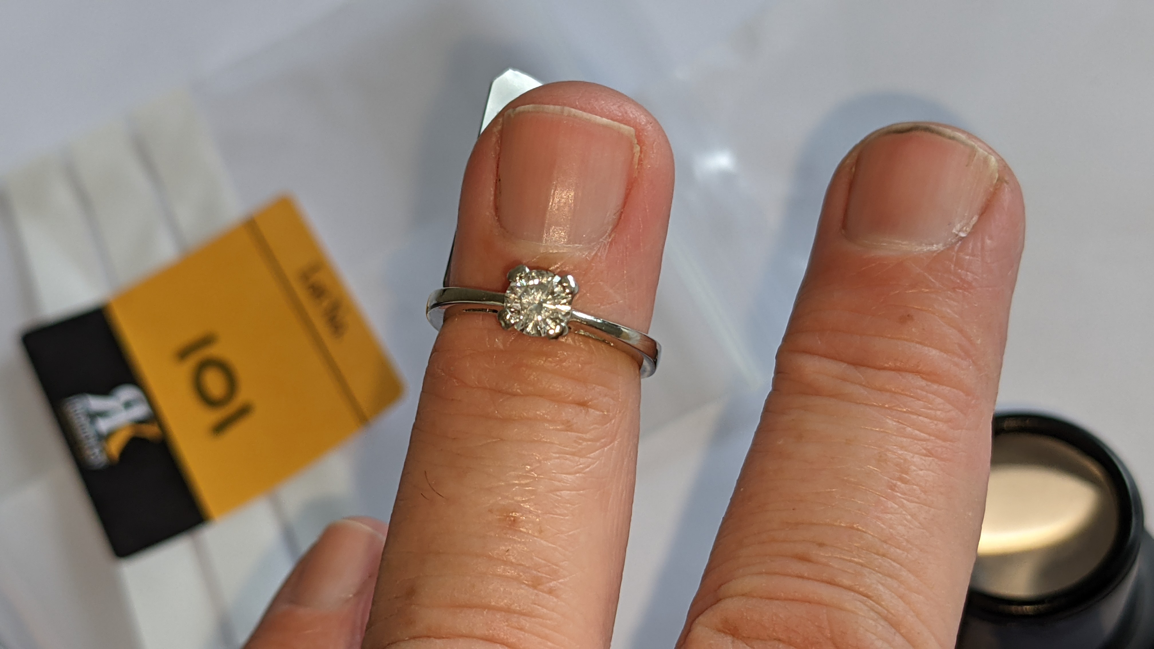 Platinum 950 ring with 0.50ct diamond. Includes diamond report/certification indicating the central - Image 14 of 25
