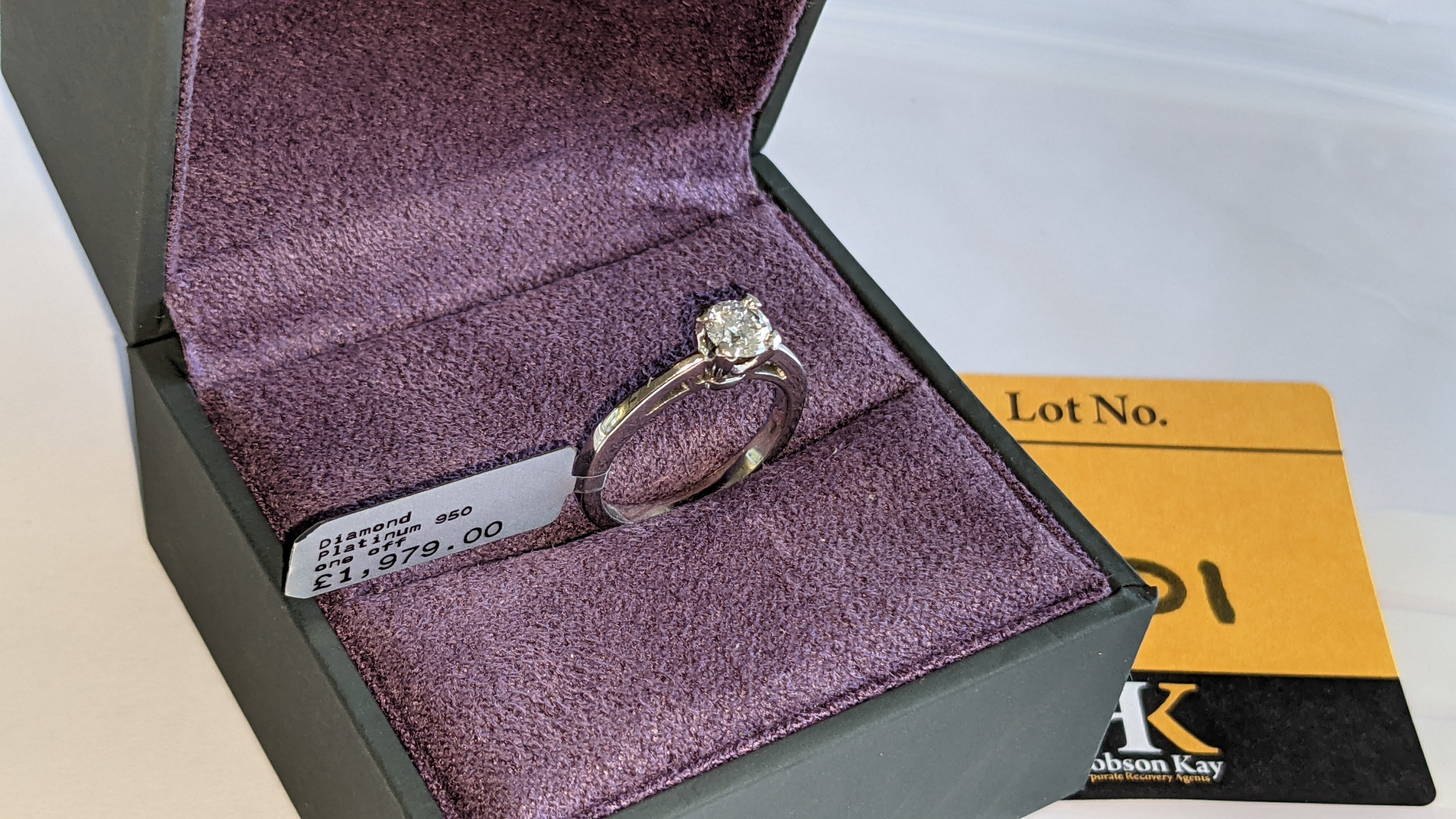 Platinum 950 ring with 0.50ct diamond. Includes diamond report/certification indicating the central - Image 5 of 25