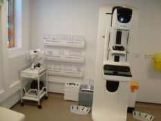 Selenia Dimensions Mammography System (2D/3D) including Securview-DX 400 and mammography chair