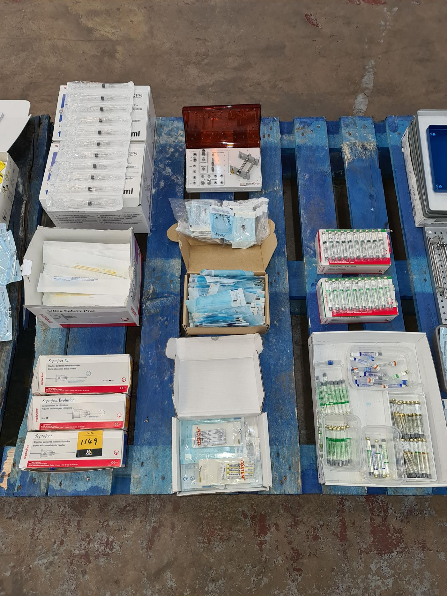 Triple row of dental related consumables & ancillaries including dental needles, single use syringes