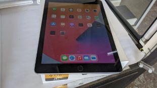 "Apple iPad (space grey) 5th generation 32Gb Wi-Fi 9.7"" Retina screen. Product code A1822. Apple A9"