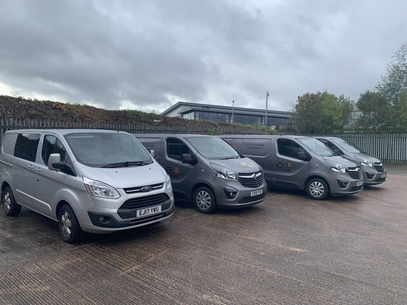 NO RESERVES: 3x 2019 Vauxhall Vivaro 2900 Sport Panel Vans PLUS 2017 Ford Transit Custom 290 Limited DOUBLE CAB Panel Van