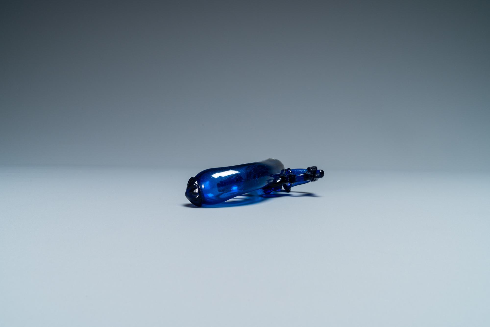 A cobalt blue glass flask in the shape of a flintlock gun, Belgium or Holland, 17th C. - Image 5 of 7
