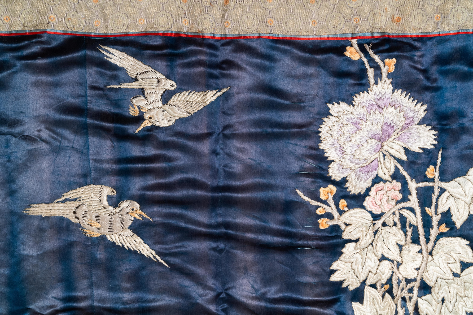 Three Chinese panels of embroidered silk, 19/20th C. - Image 13 of 17