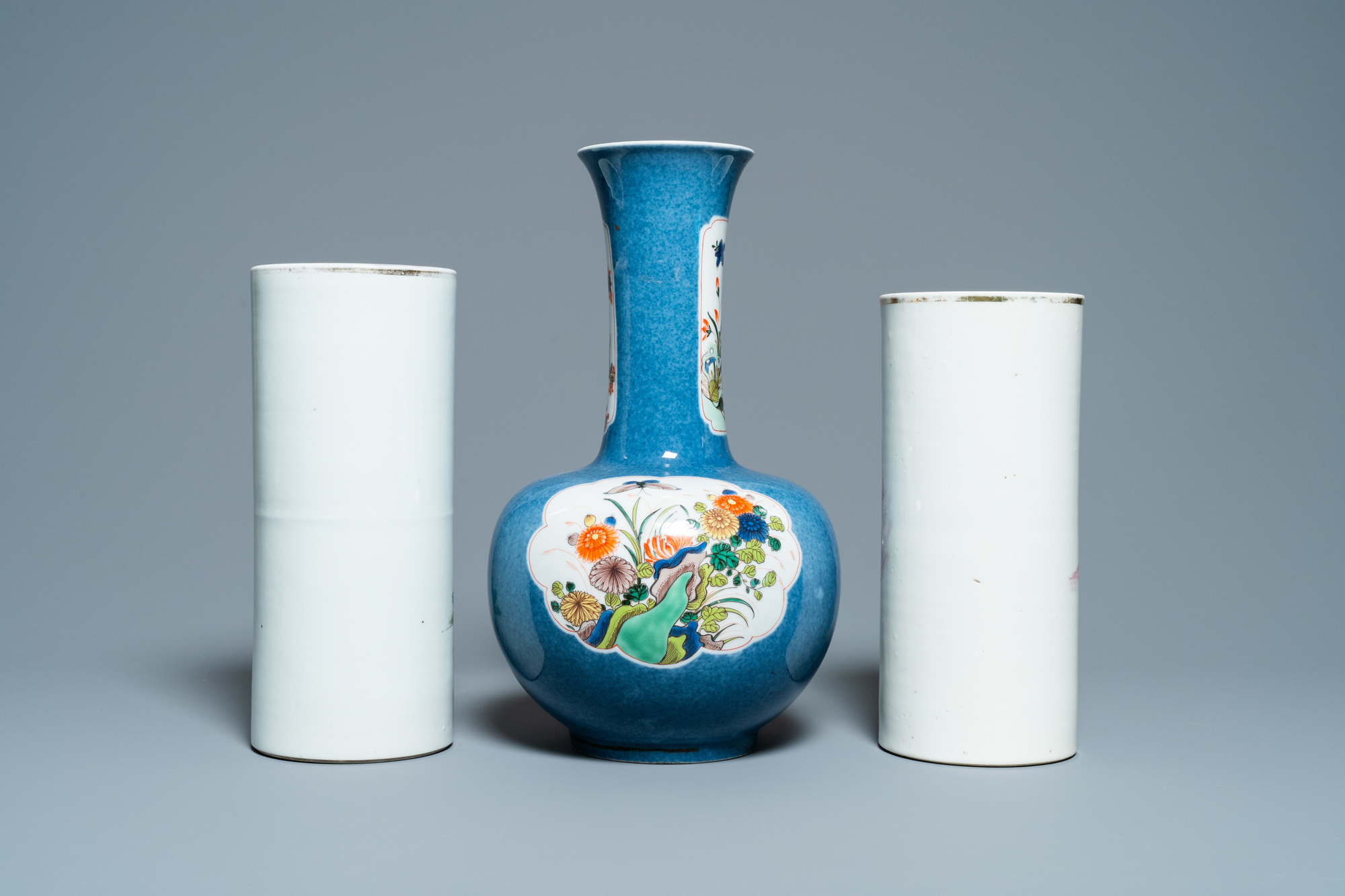 Six Chinese famille rose and verte vases, 19/20th C. - Image 10 of 13