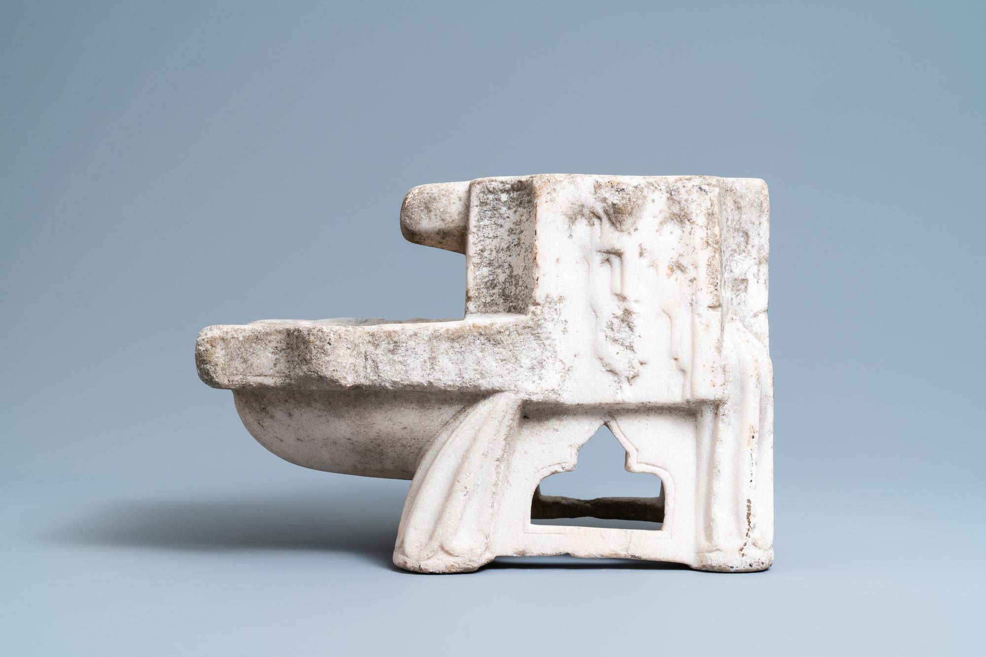A Fatimid marble kilga, Egypt, 11/12th C. - Image 4 of 7