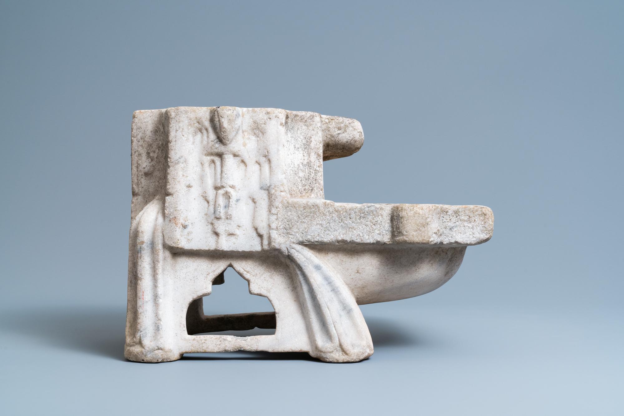 A Fatimid marble kilga, Egypt, 11/12th C. - Image 2 of 7