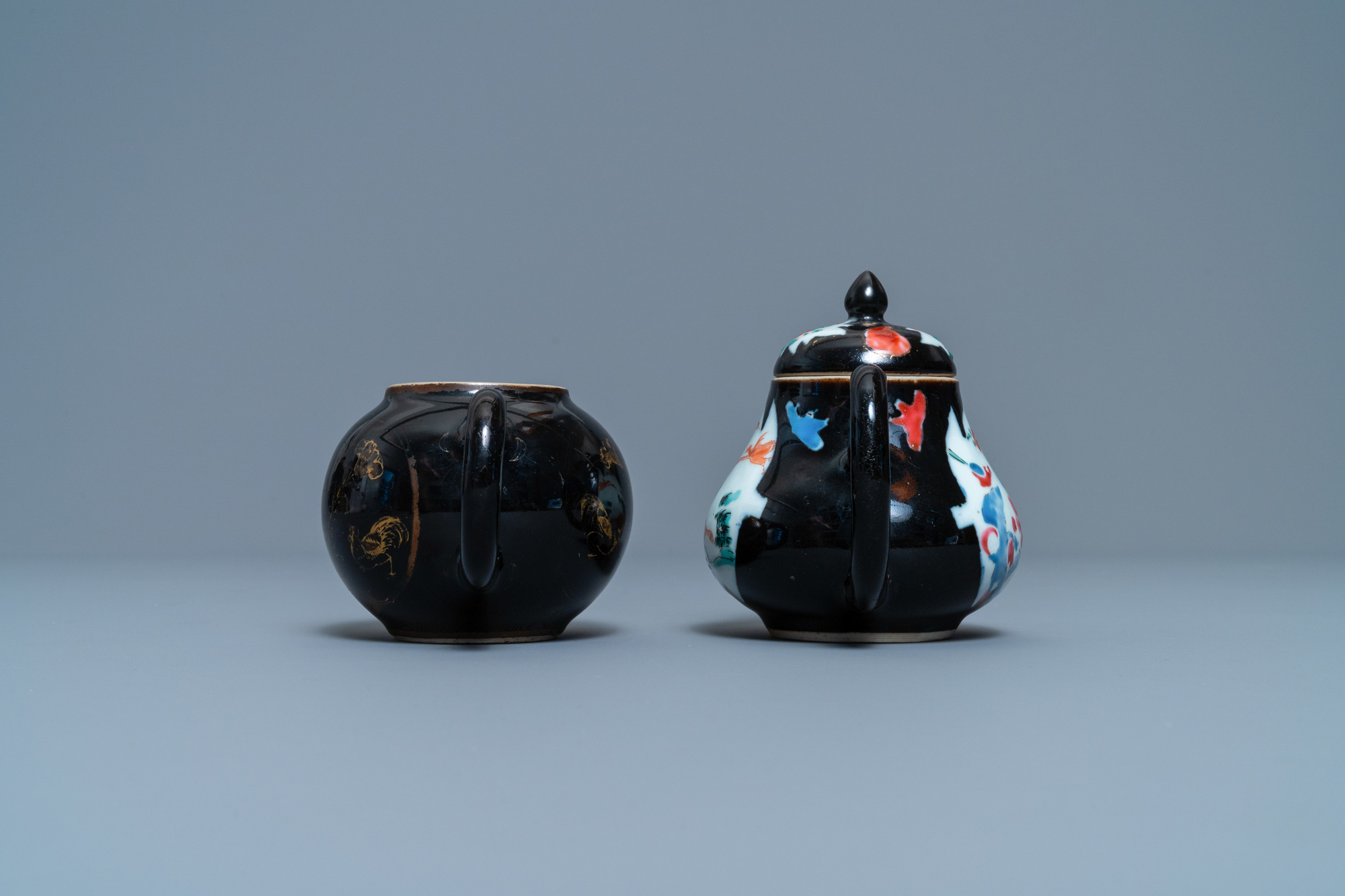 Two Chinese famille noire teapots, a pattipan and two spoon trays, Yongzheng/Qianlong - Image 7 of 9
