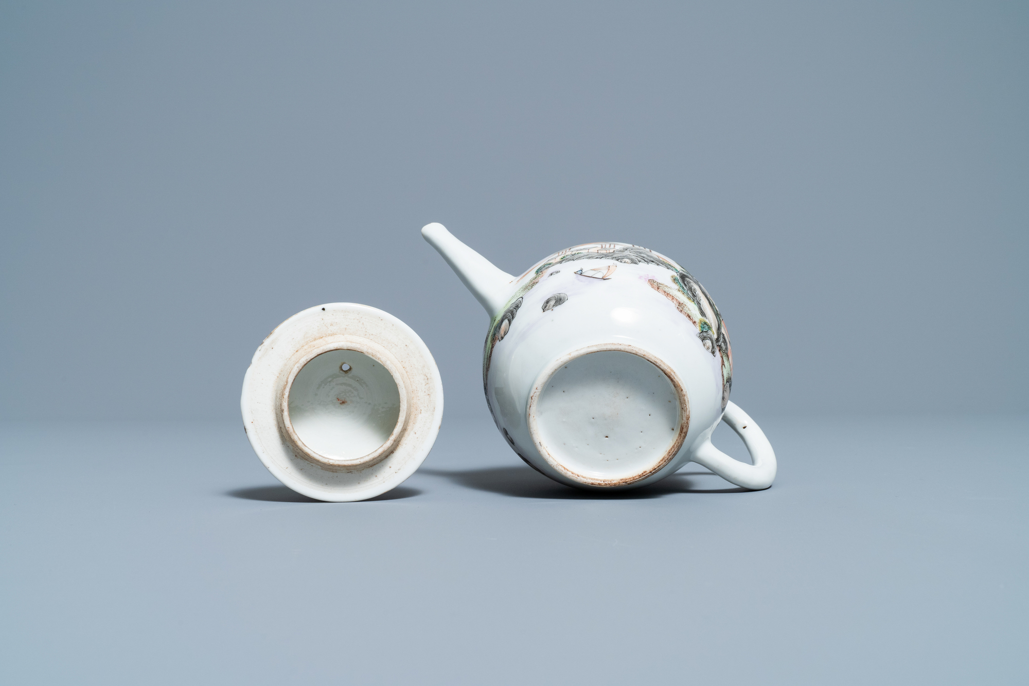A fine Chinese 'landscape' teapot and a pair of cups and saucers, Yongzheng - Image 15 of 15