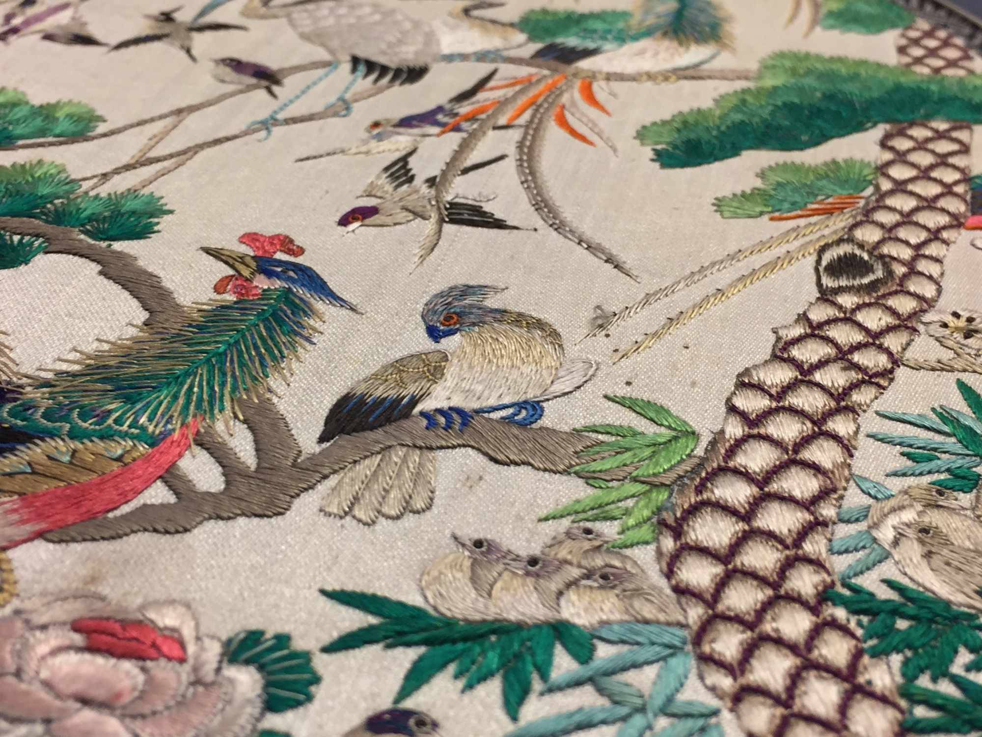 Two Chinese embroidered silk pien mien fans with ivory handle, 18/19th C. - Image 39 of 61