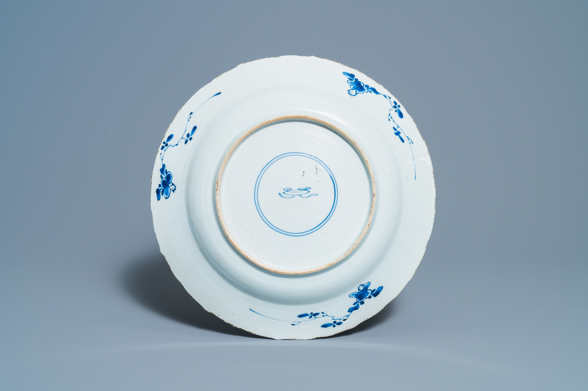 A Chinese blue and white 'lotus' dish and a famille verte dish, Kangxi - Image 3 of 5