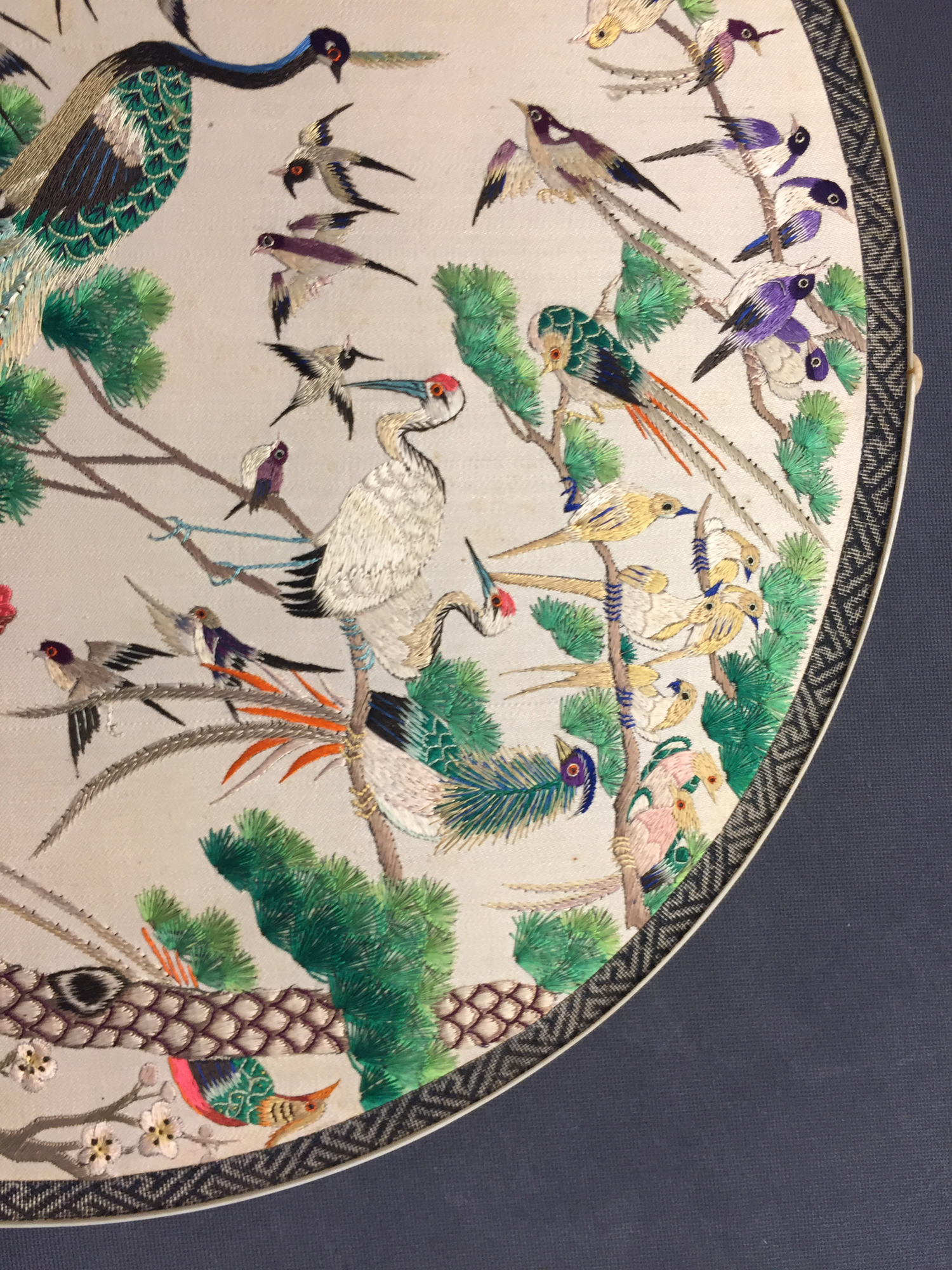 Two Chinese embroidered silk pien mien fans with ivory handle, 18/19th C. - Image 37 of 61