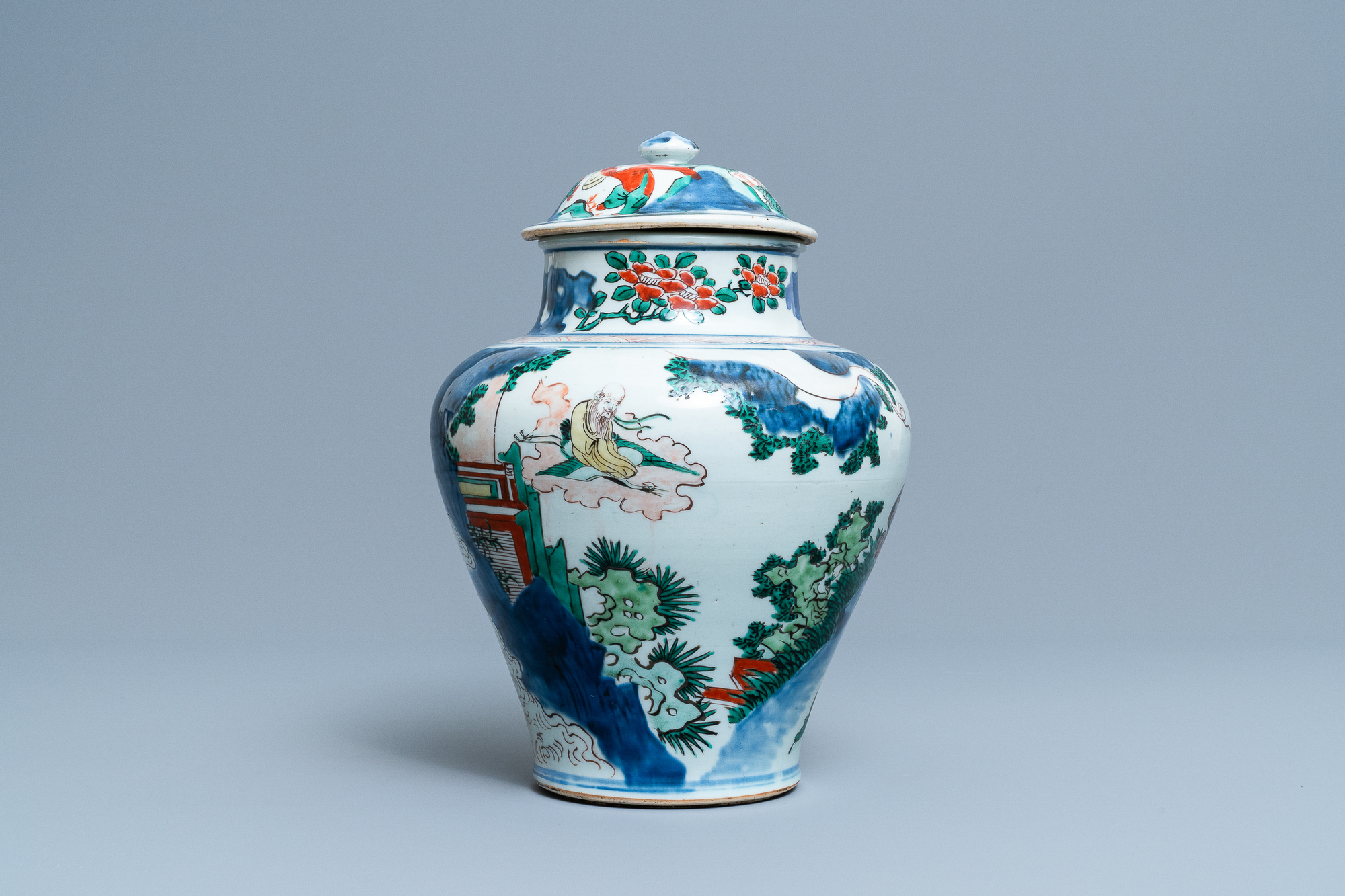 A Chinese wucai 'immortals' vase and cover, Shunzhi - Image 3 of 33