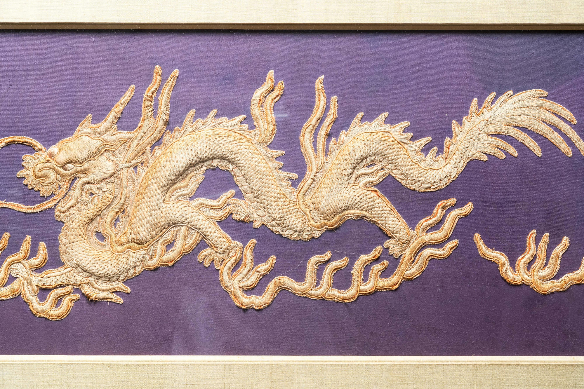 Three Chinese panels of embroidered silk, 19/20th C. - Image 4 of 17