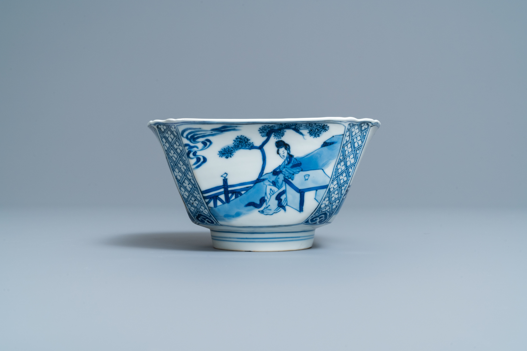 A Chinese square blue and white bowl, Chenghua mark, Kangxi - Image 3 of 7