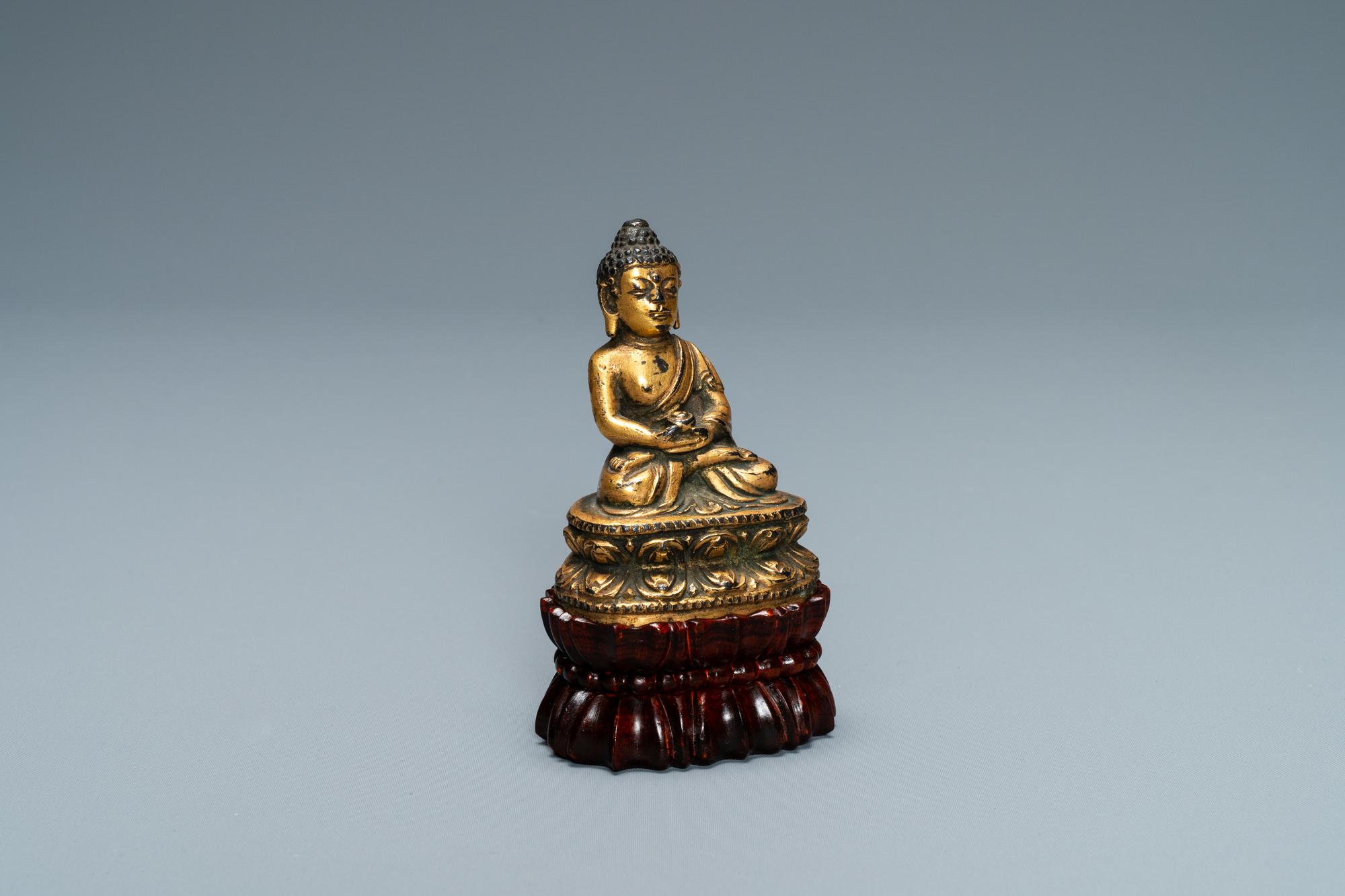 A Sino-Tibetan gilt bronze figure of Buddha, Ming - Image 7 of 7