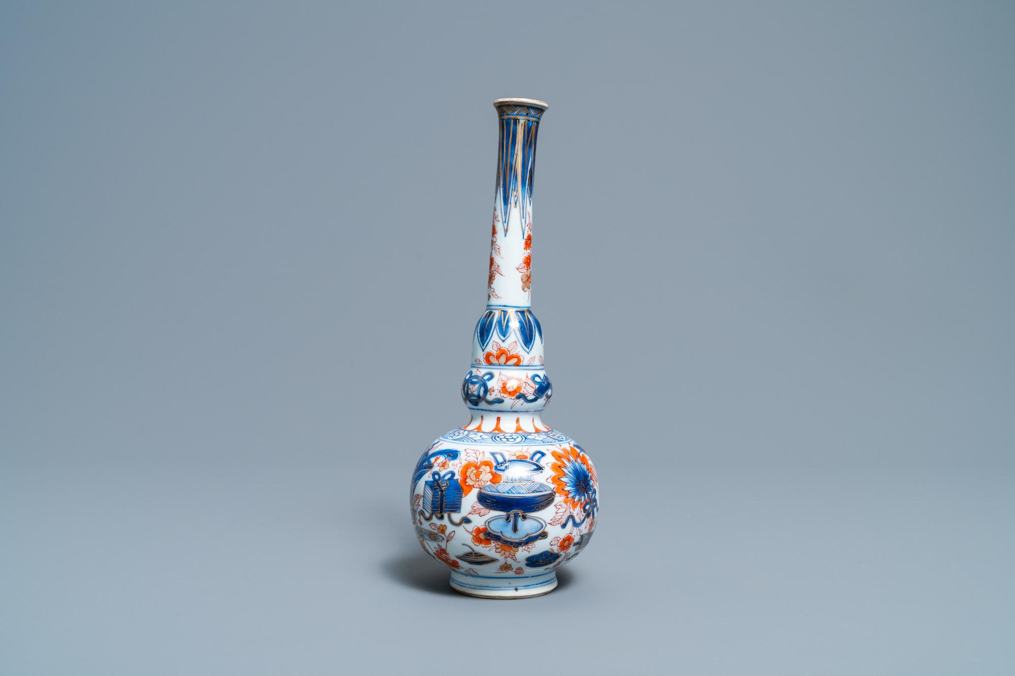 A Chinese Imari-style bottle vase, Kangxi - Image 2 of 6