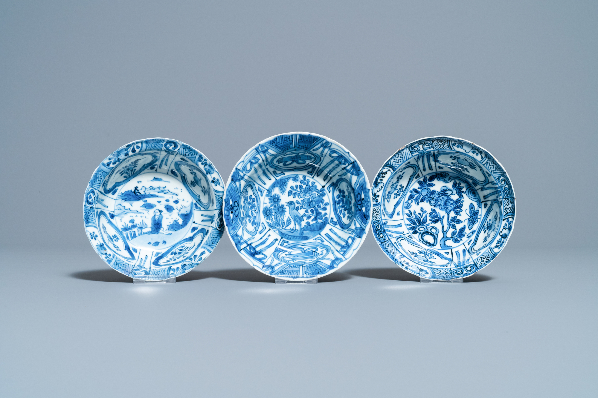 Three Chinese blue and white kraak porcelain klapmuts bowls, Wanli