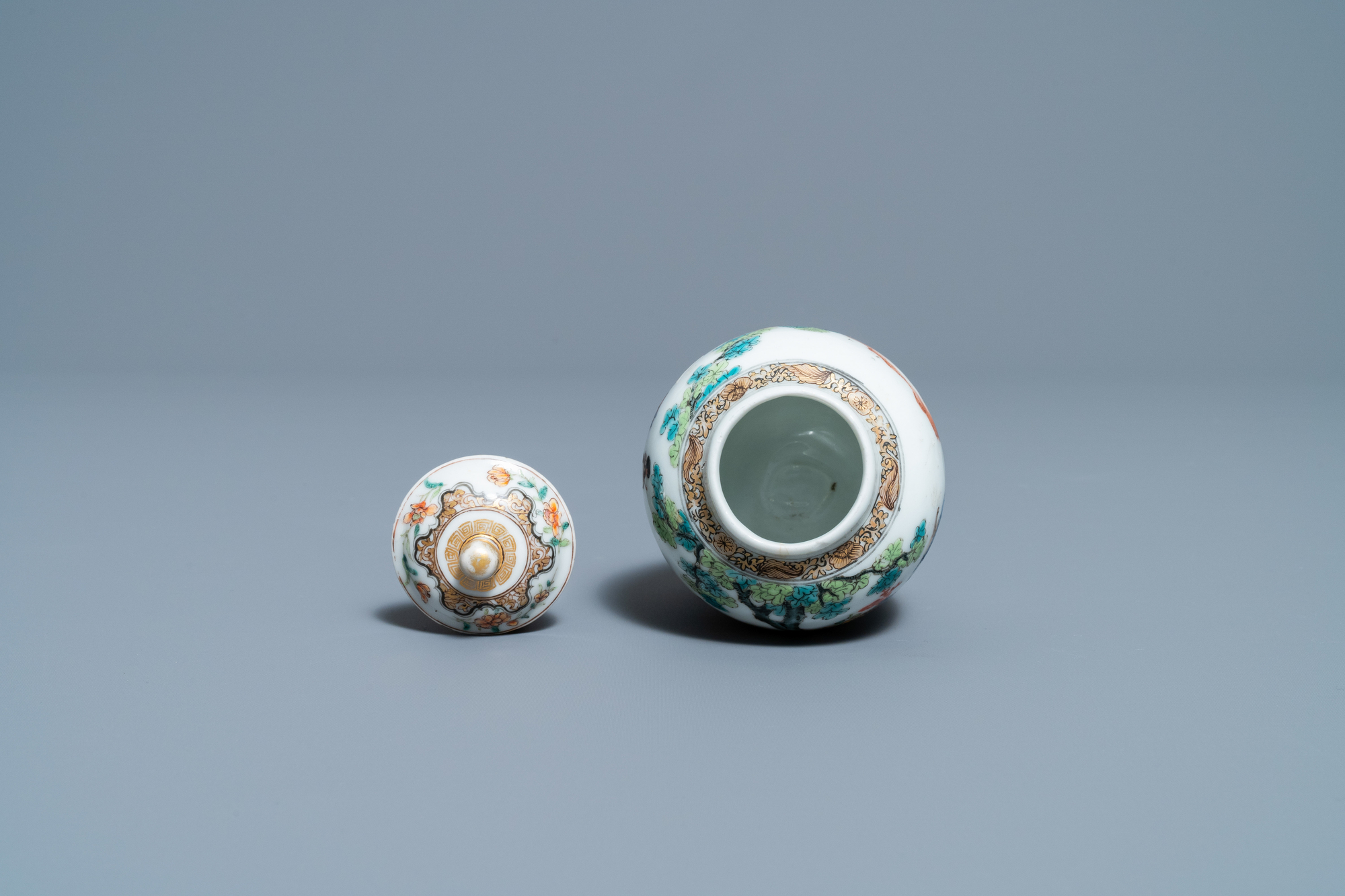 A fine Chinese famille rose tea caddy and cover, Yongzheng - Image 5 of 6