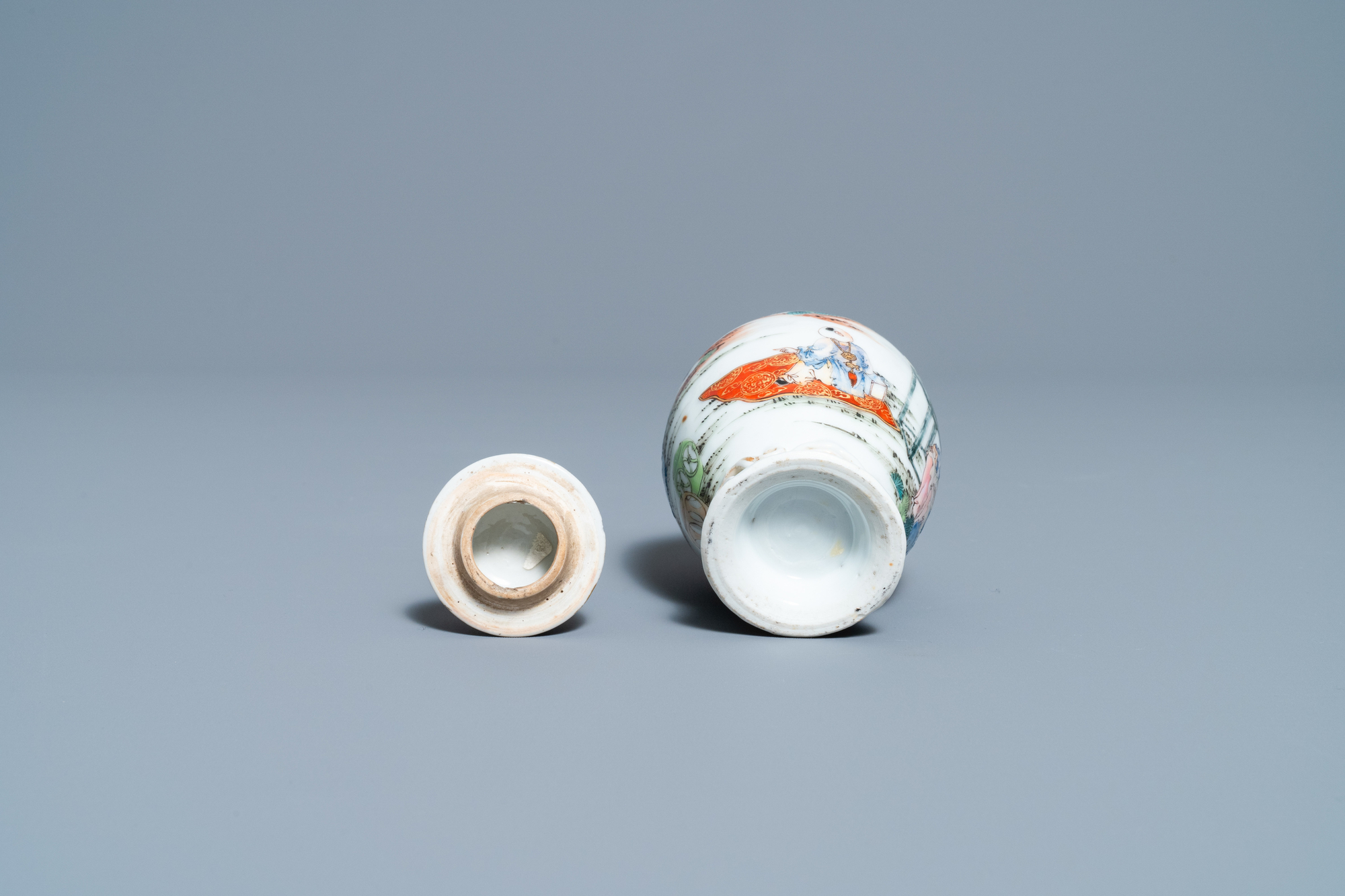 A fine Chinese famille rose tea caddy and cover, Yongzheng - Image 6 of 6