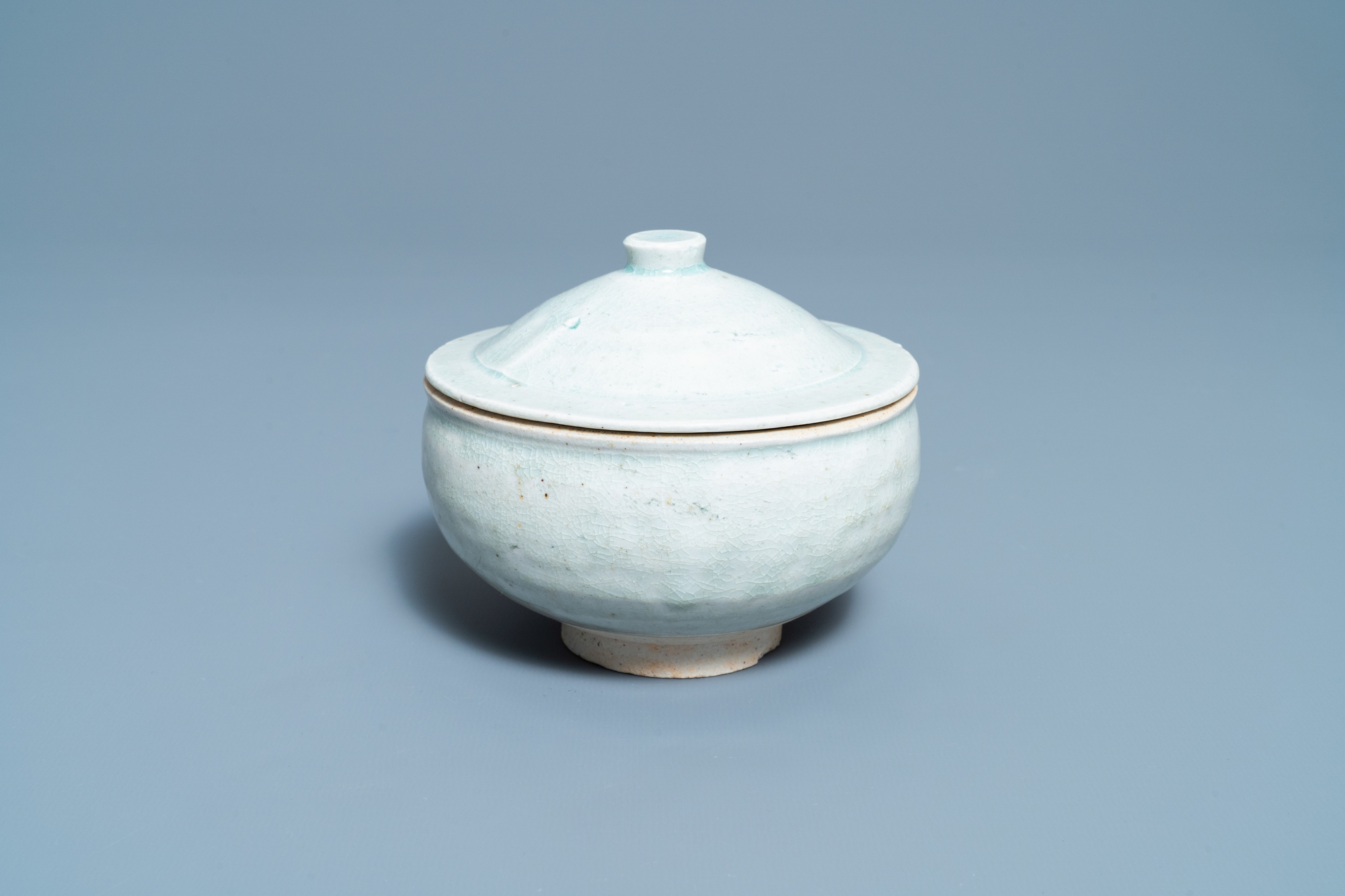 A Chinese qingbai molded 'fish' dish and a bowl with cover, Song/Yuan - Image 5 of 11