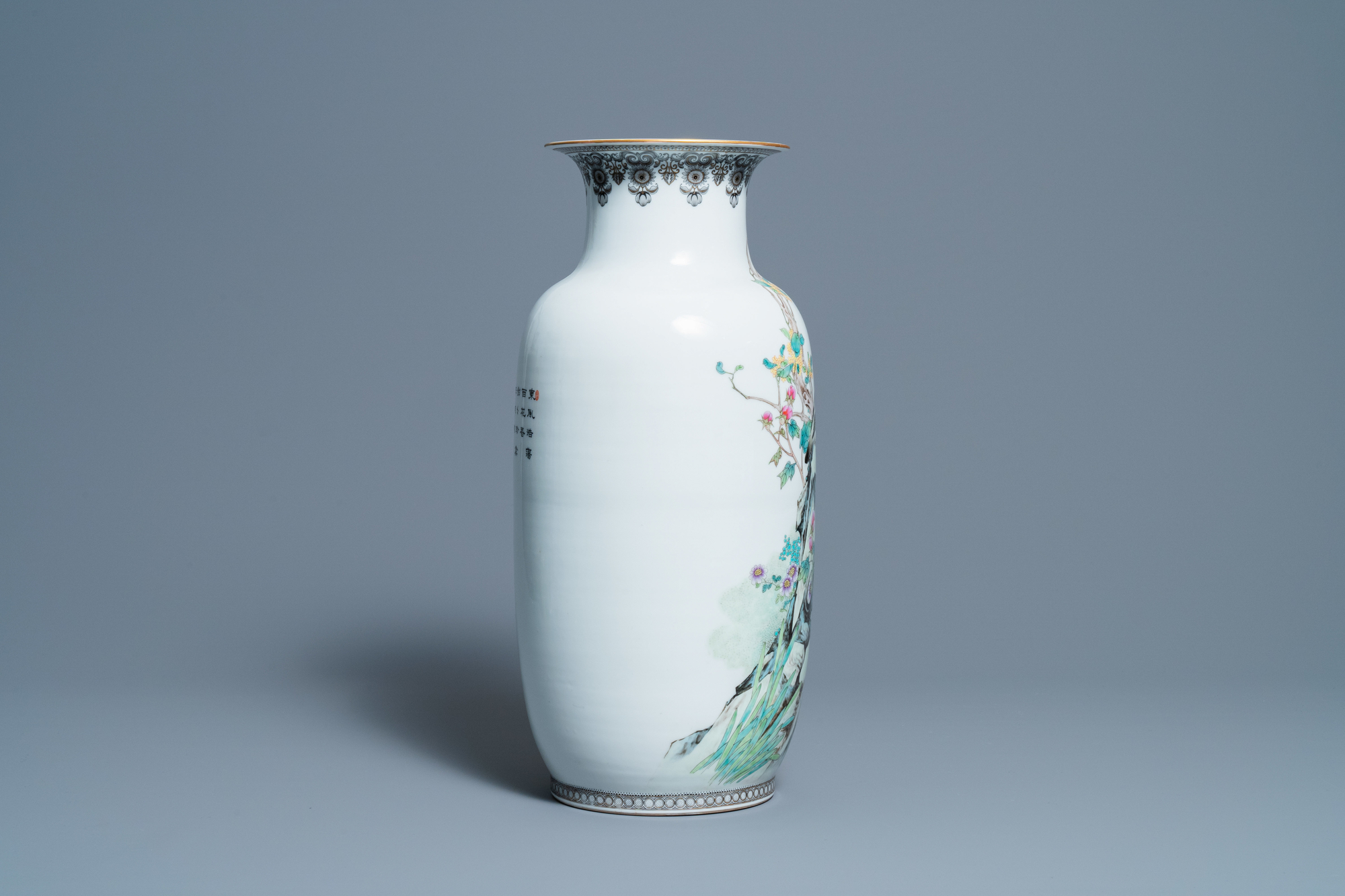 A fine Chinese famille rose vase, Zhong Guo Jingdezhen Zhi mark, Republic - Image 4 of 6