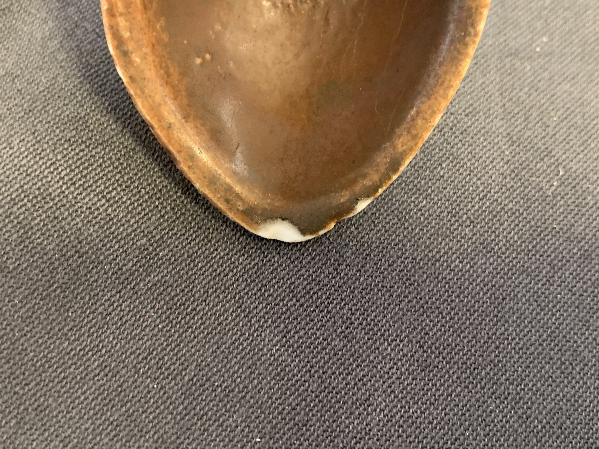 22 Chinese brown- and white-glazed spoons, 17/18th C. - Image 17 of 19