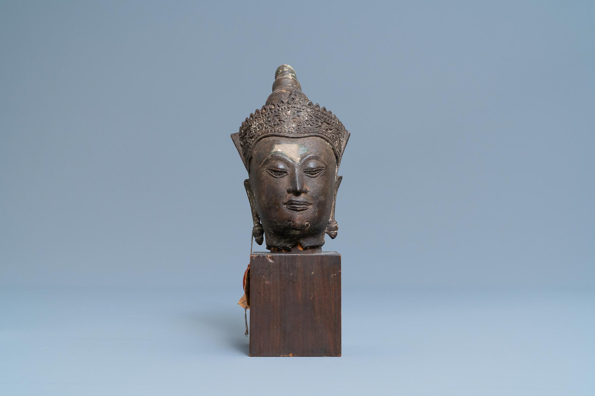A Thai bronze head of a Bodhisattva, 18/19th C. - Image 2 of 9
