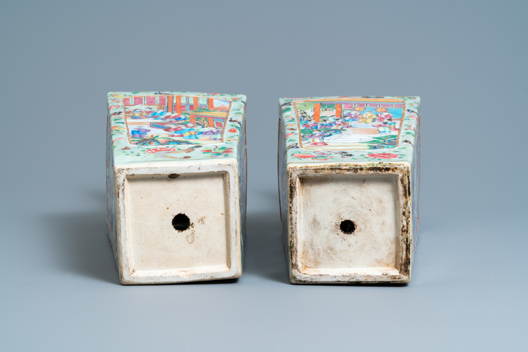 A pair of Chinese square famille rose celadon-ground vases on gilt bronze feet, 19th C. - Image 7 of 7