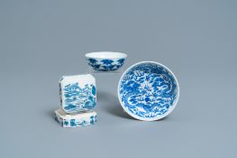 A Chinese blue and white plate, a bowl and a box and cover, Qianlong and Guangxu mark, 19/20th C.