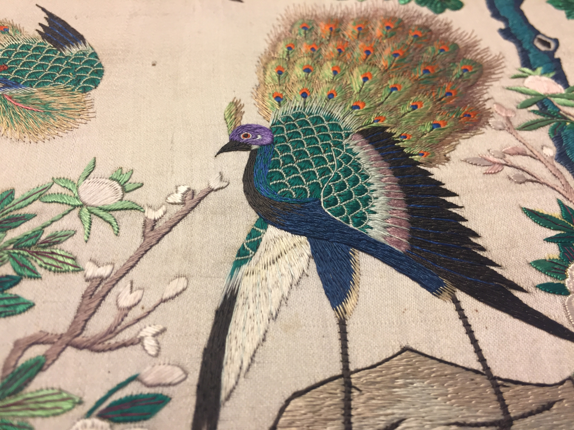 Two Chinese embroidered silk pien mien fans with ivory handle, 18/19th C. - Image 15 of 61