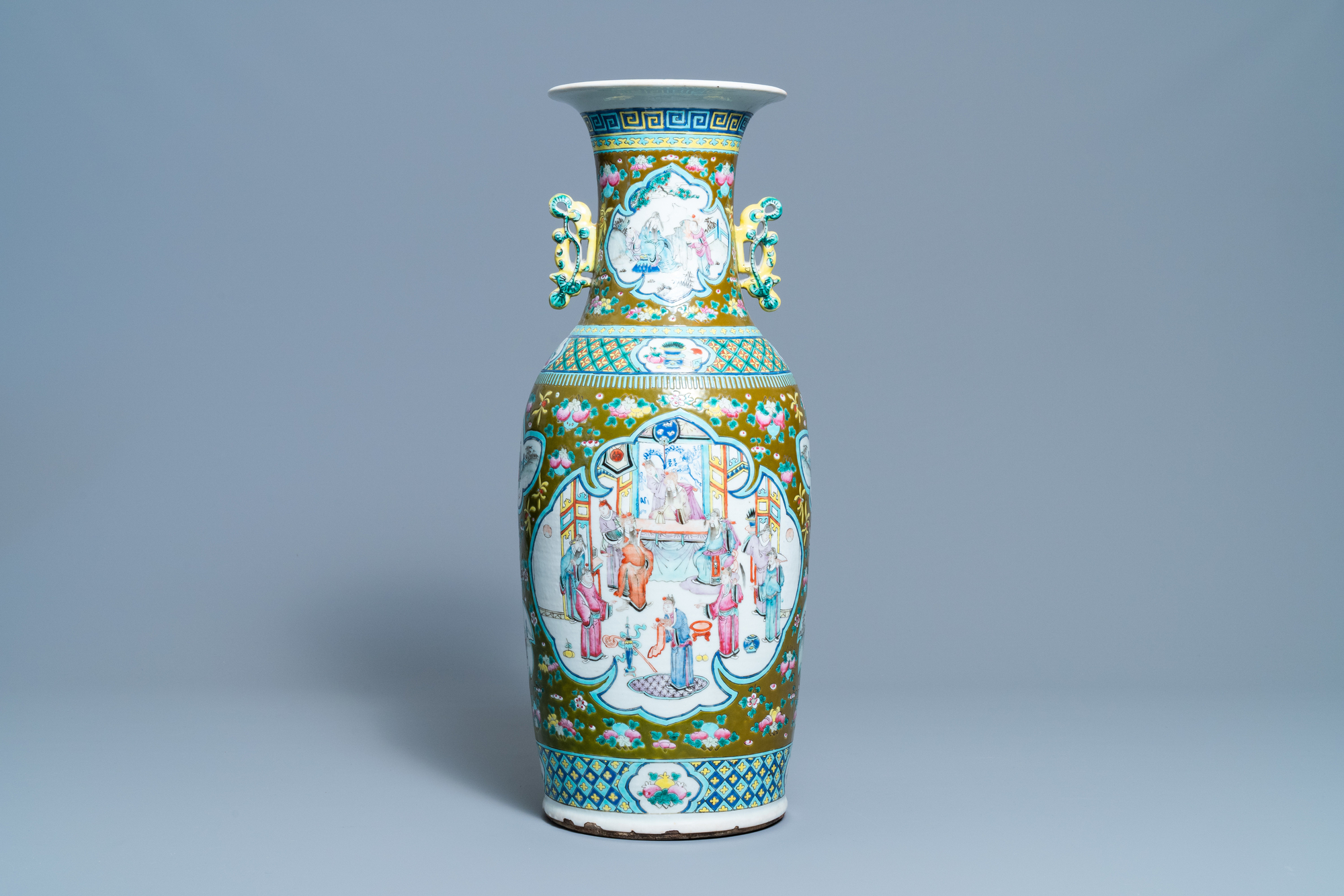A Chinese brown-ground famille rose vase, 19th C. - Image 3 of 6