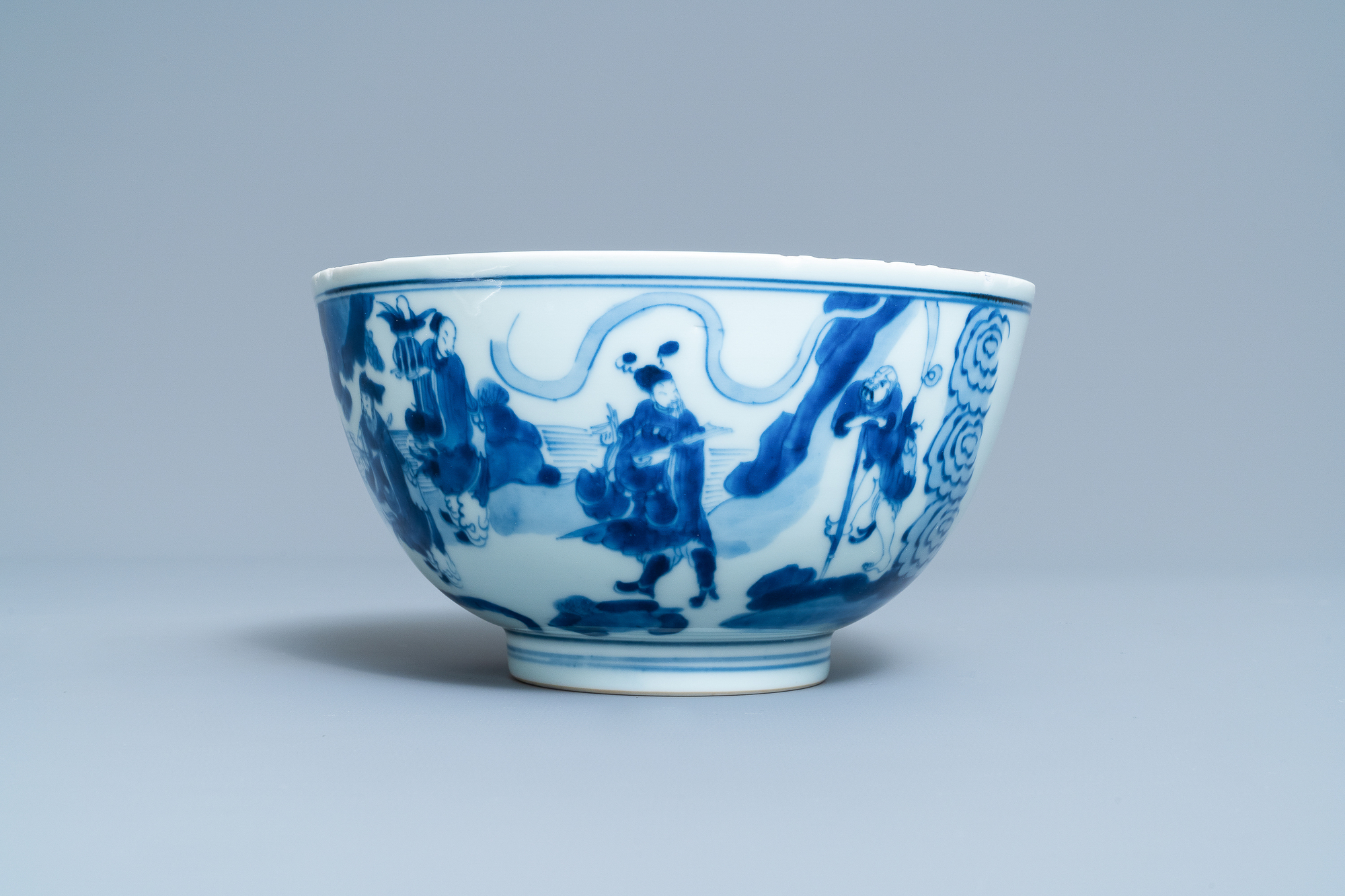 A Chinese blue and white 'immortals' bowl, Kangxi - Image 5 of 31
