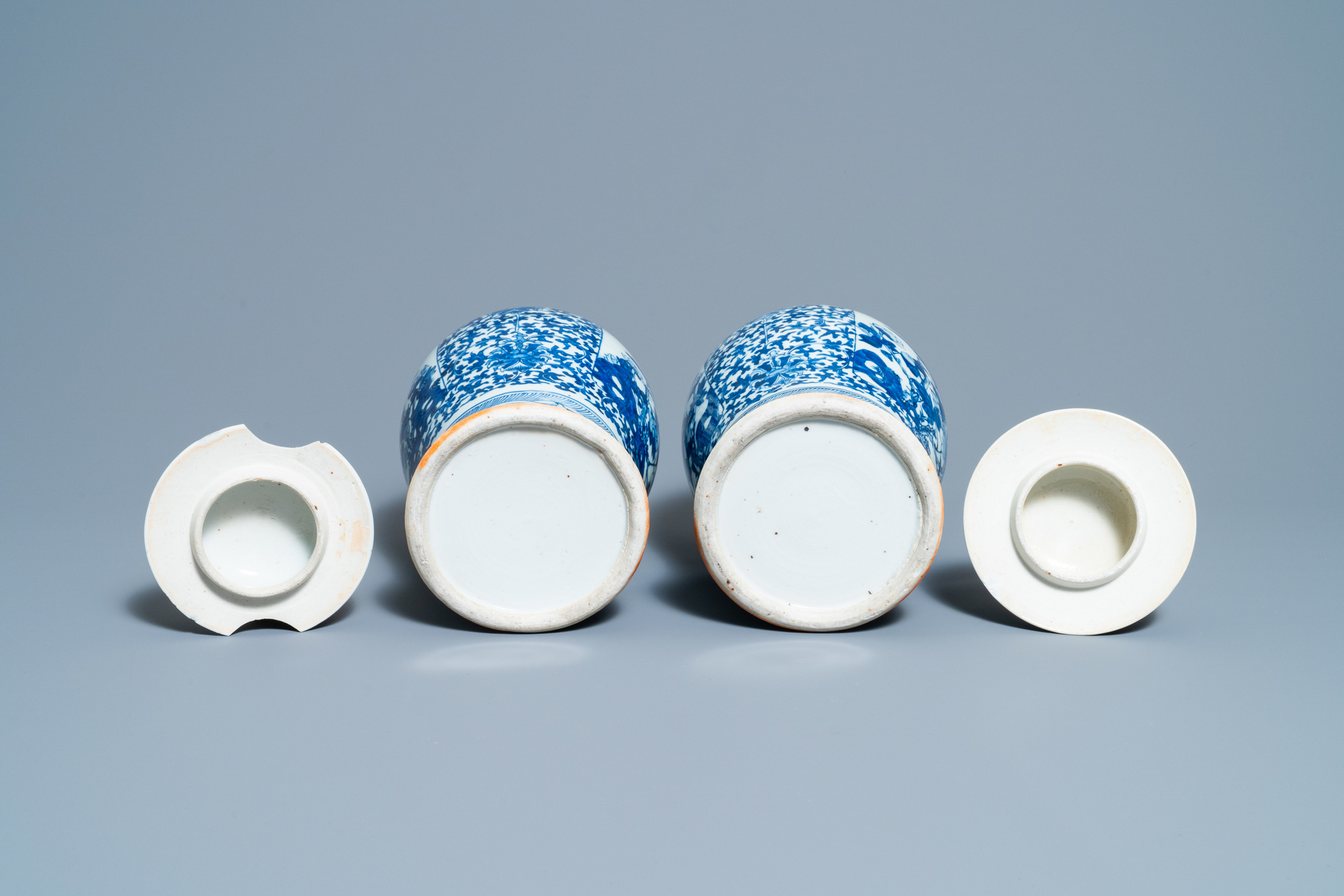 A pair of Chinese blue and white vases and a famille rose jar and cover, 19/20th C. - Image 7 of 9